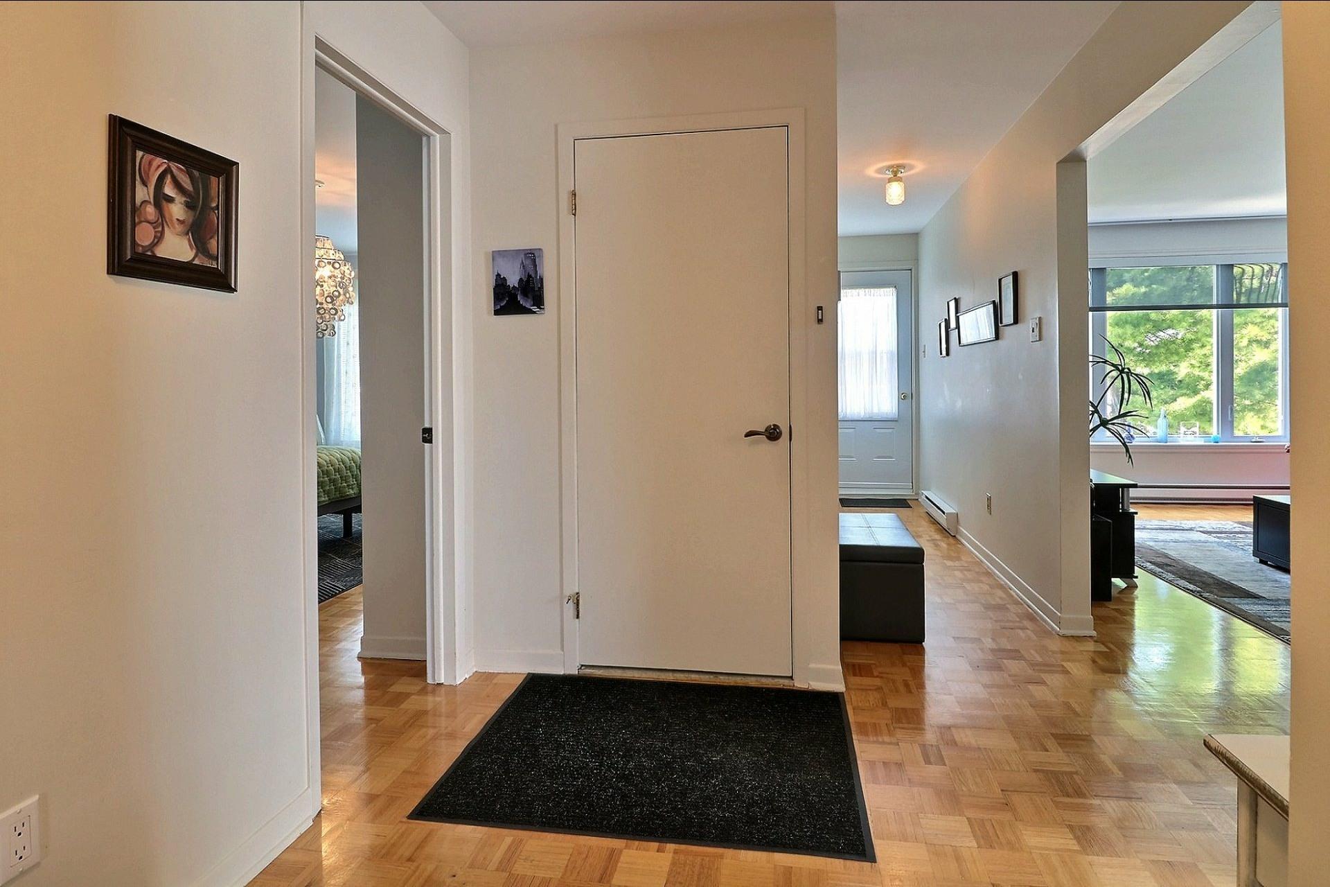 image 2 - Triplex For sale Laval Vimont  - 6 rooms