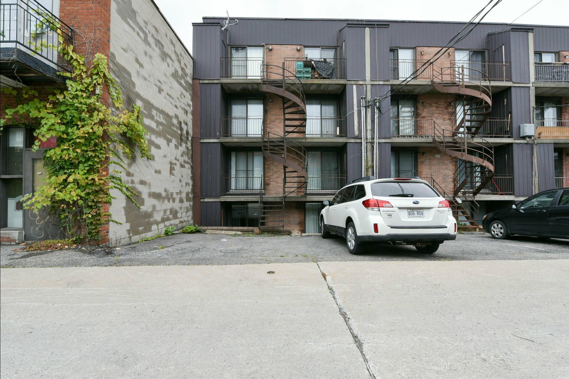 image 11 - Apartment For sale Montréal Mercier/Hochelaga-Maisonneuve  - 7 rooms