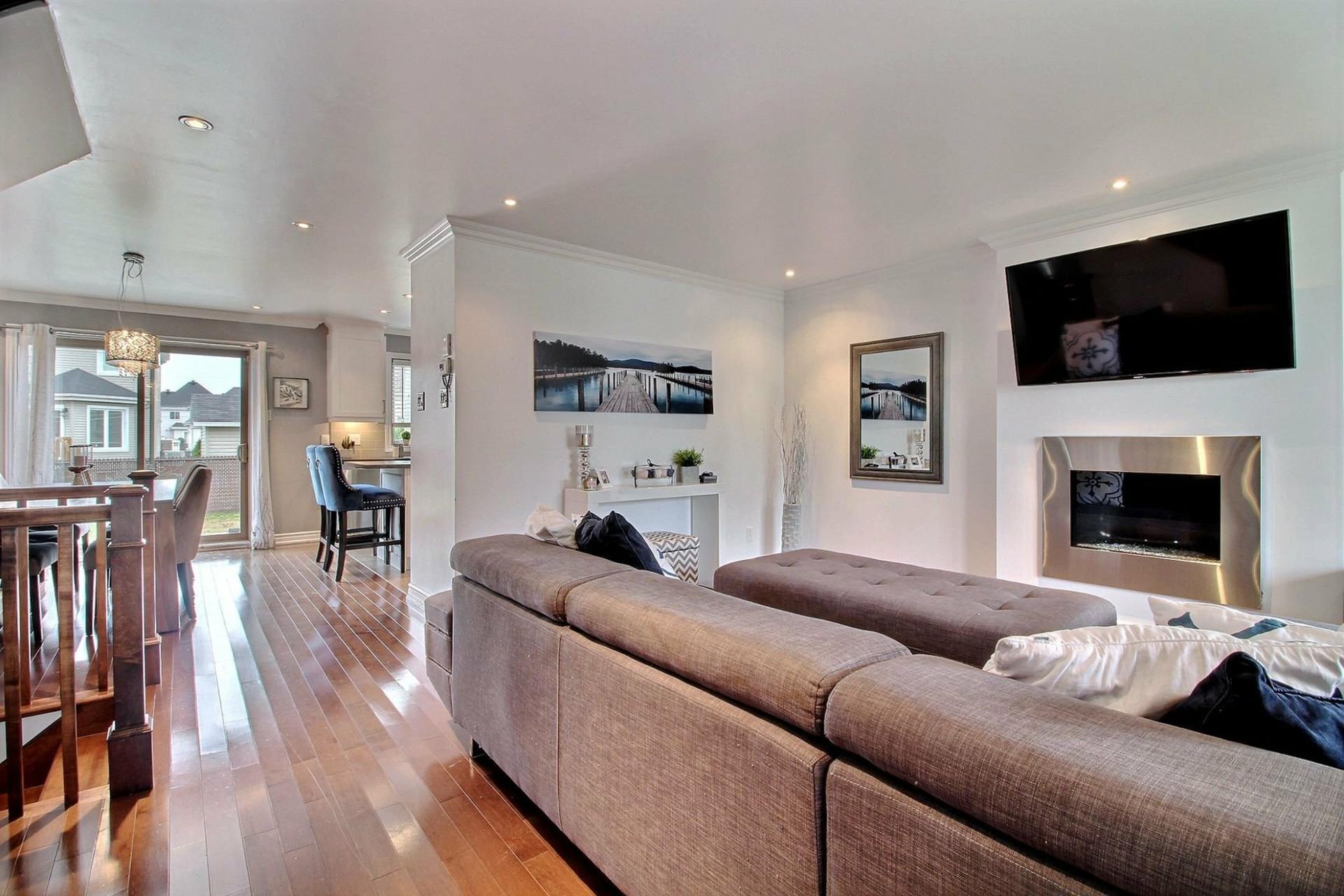 image 2 - House For sale Terrebonne Lachenaie  - 15 rooms