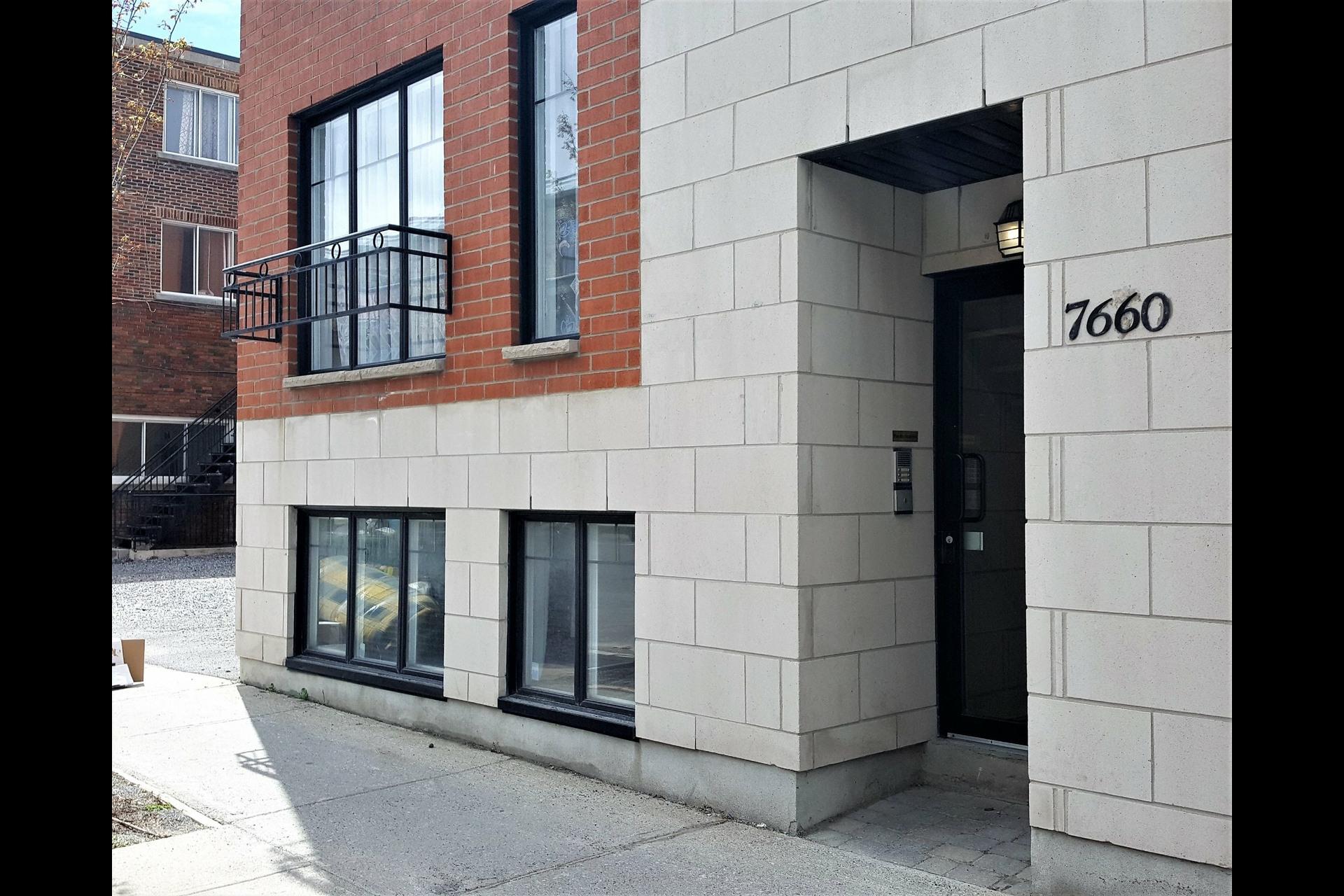 image 2 - Appartement À vendre Montréal Villeray/Saint-Michel/Parc-Extension  - 4 pièces