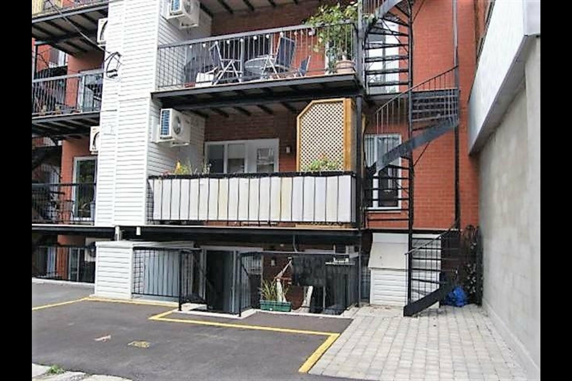 image 4 - Appartement À vendre Montréal Villeray/Saint-Michel/Parc-Extension  - 4 pièces