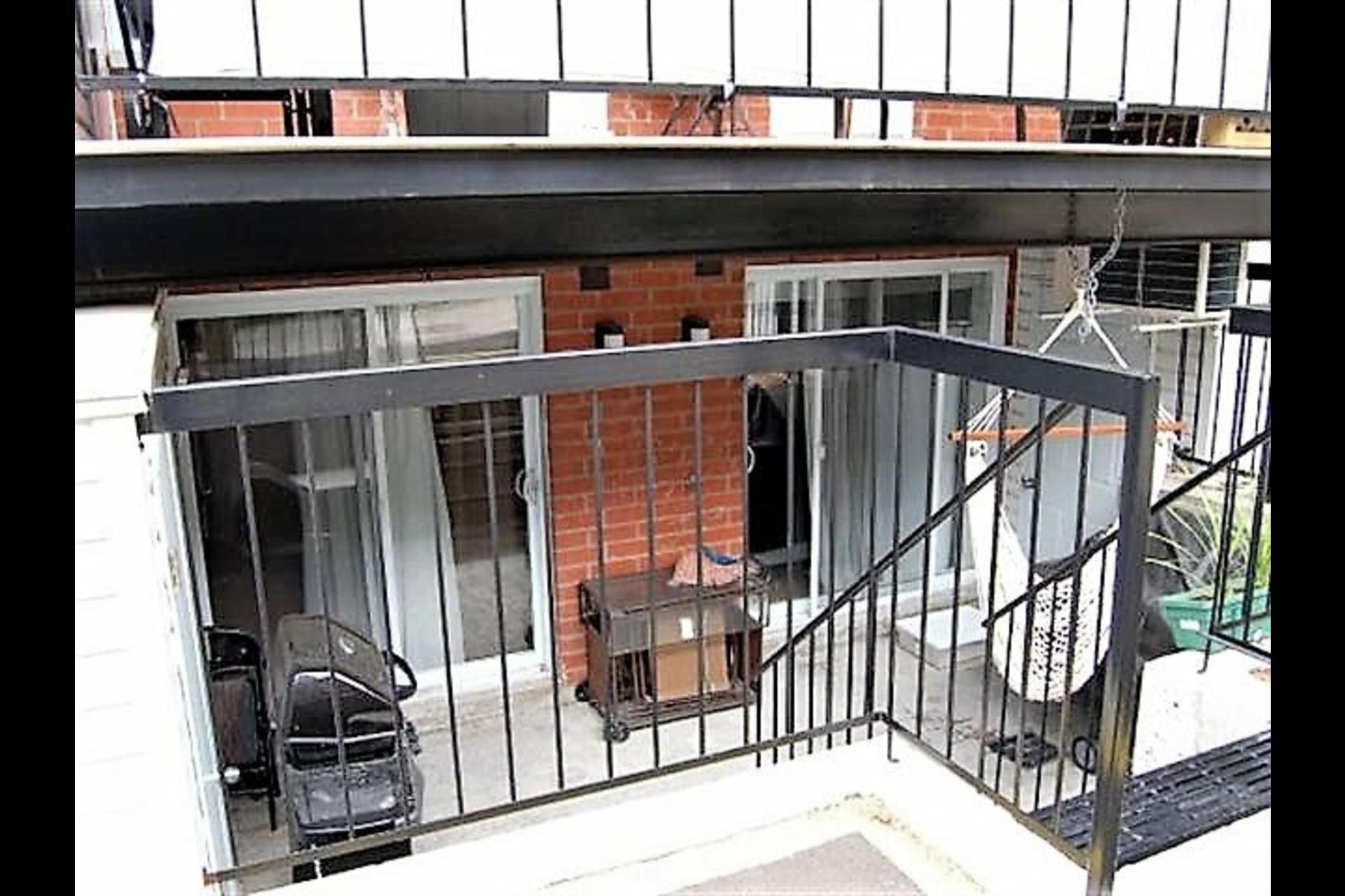 image 3 - Appartement À vendre Montréal Villeray/Saint-Michel/Parc-Extension  - 4 pièces