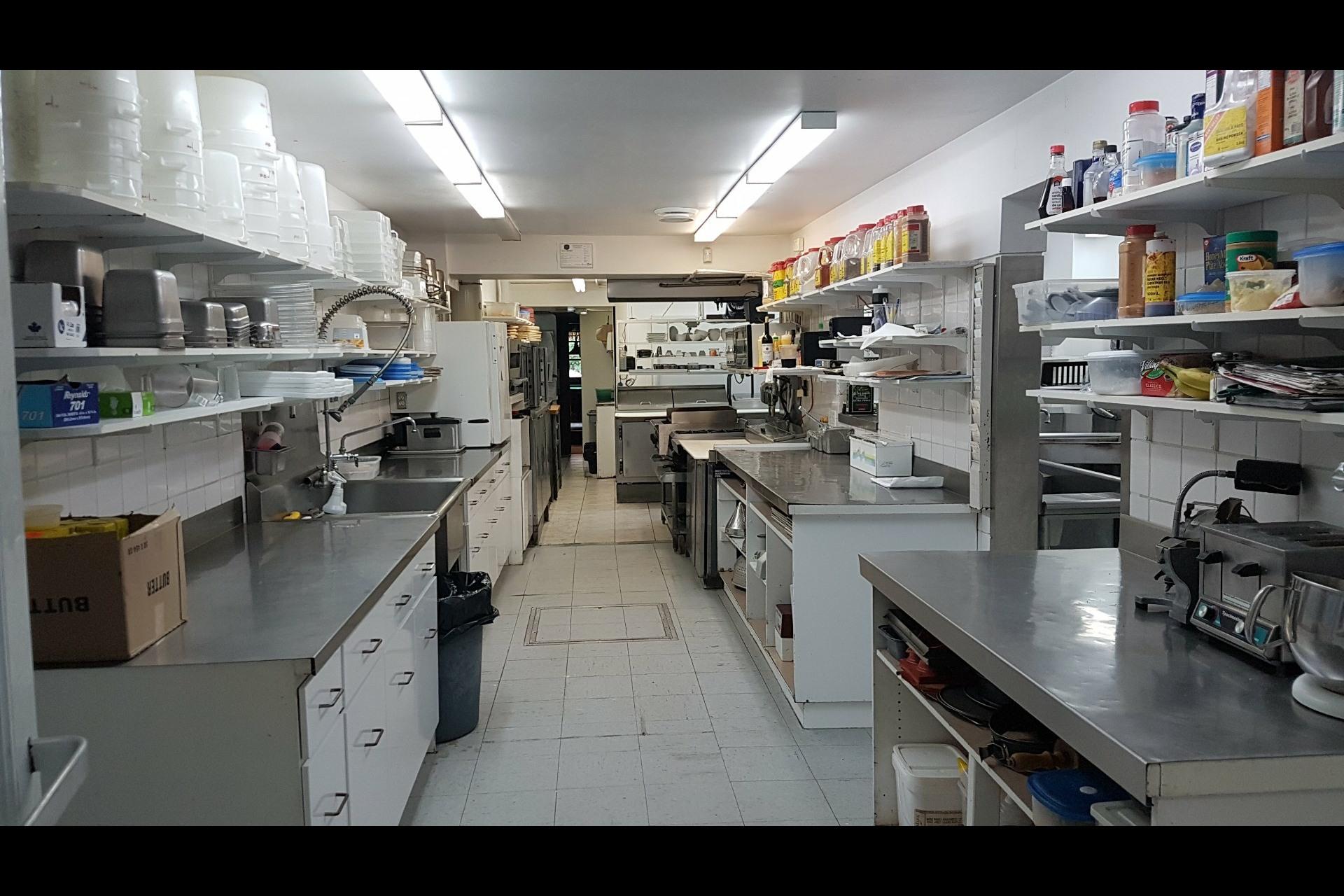 image 42 - Office For sale Saint-Esprit