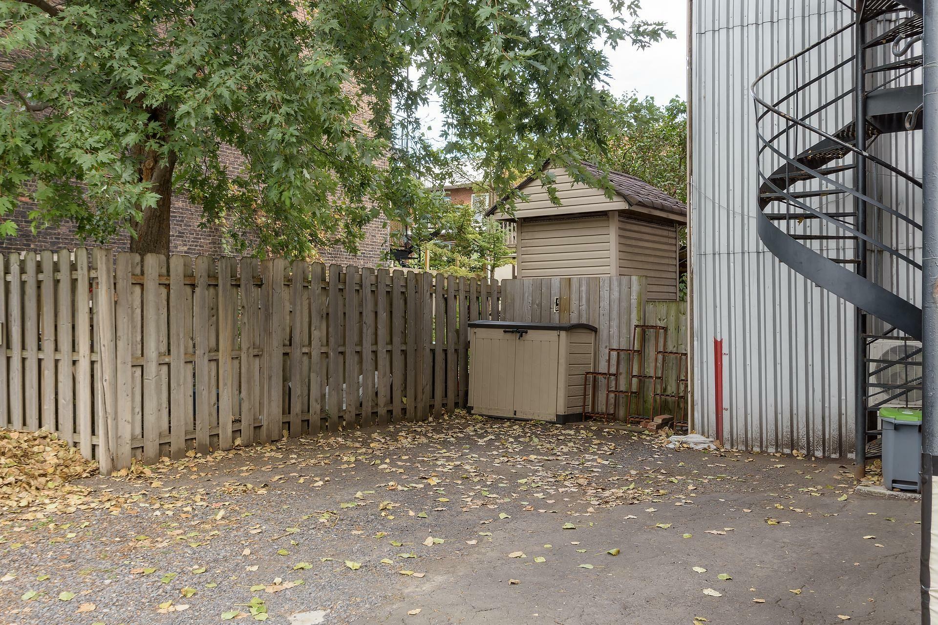 image 14 - Appartement À louer Montréal Le Sud-Ouest  - 5 pièces