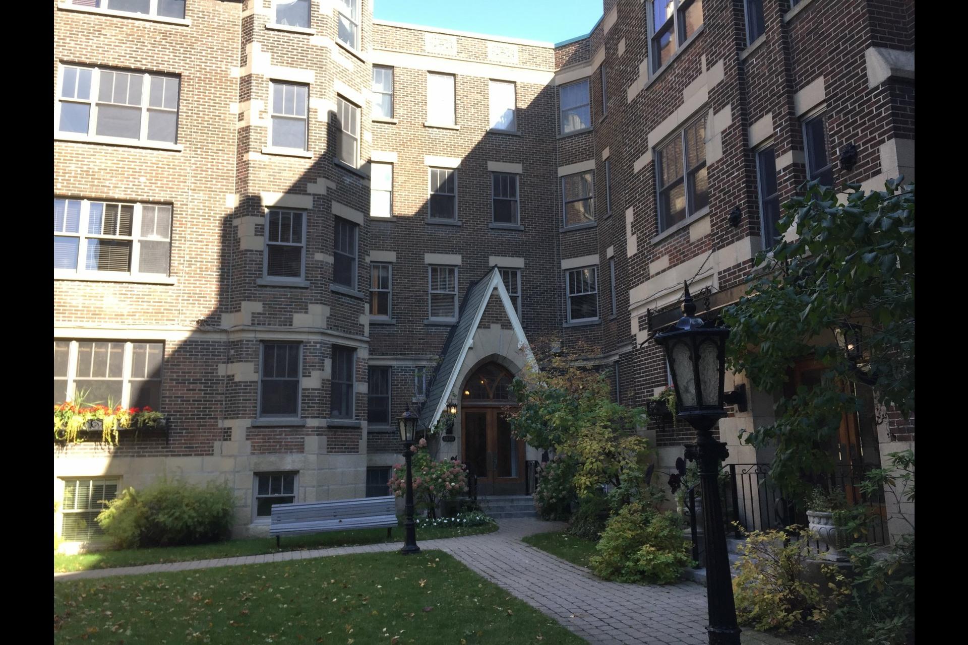 image 1 - Apartment For sale Montréal Outremont  - 5 rooms