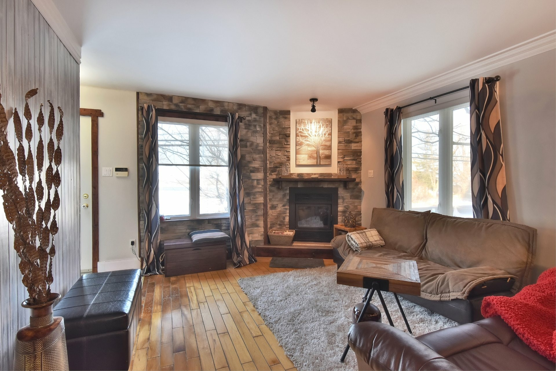 image 3 - House For sale Beauharnois - 11 rooms