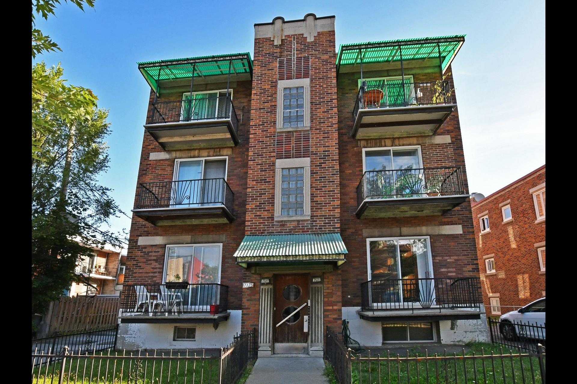image 0 - Immeuble à revenus À vendre Montréal Villeray/Saint-Michel/Parc-Extension  - 4 pièces