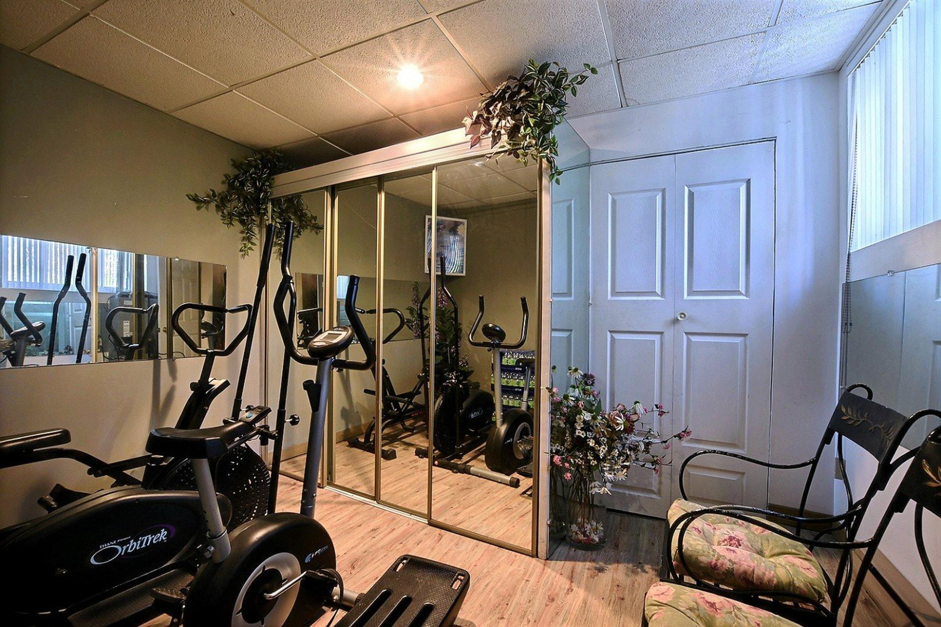 image 16 - Triplex For sale Montréal Mercier/Hochelaga-Maisonneuve  - 12 rooms