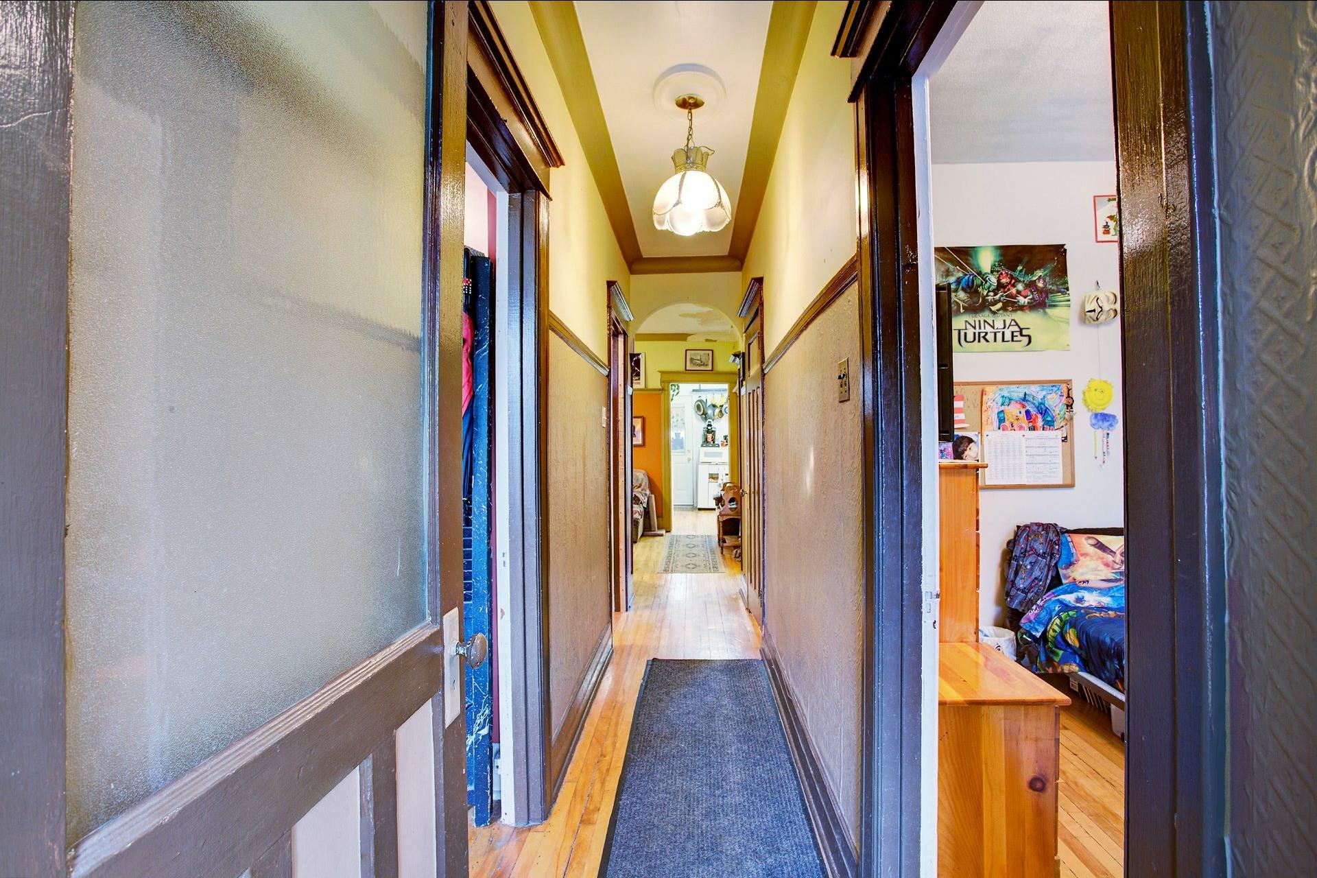 image 1 - Triplex For sale Le Sud-Ouest Montréal  - 6 rooms