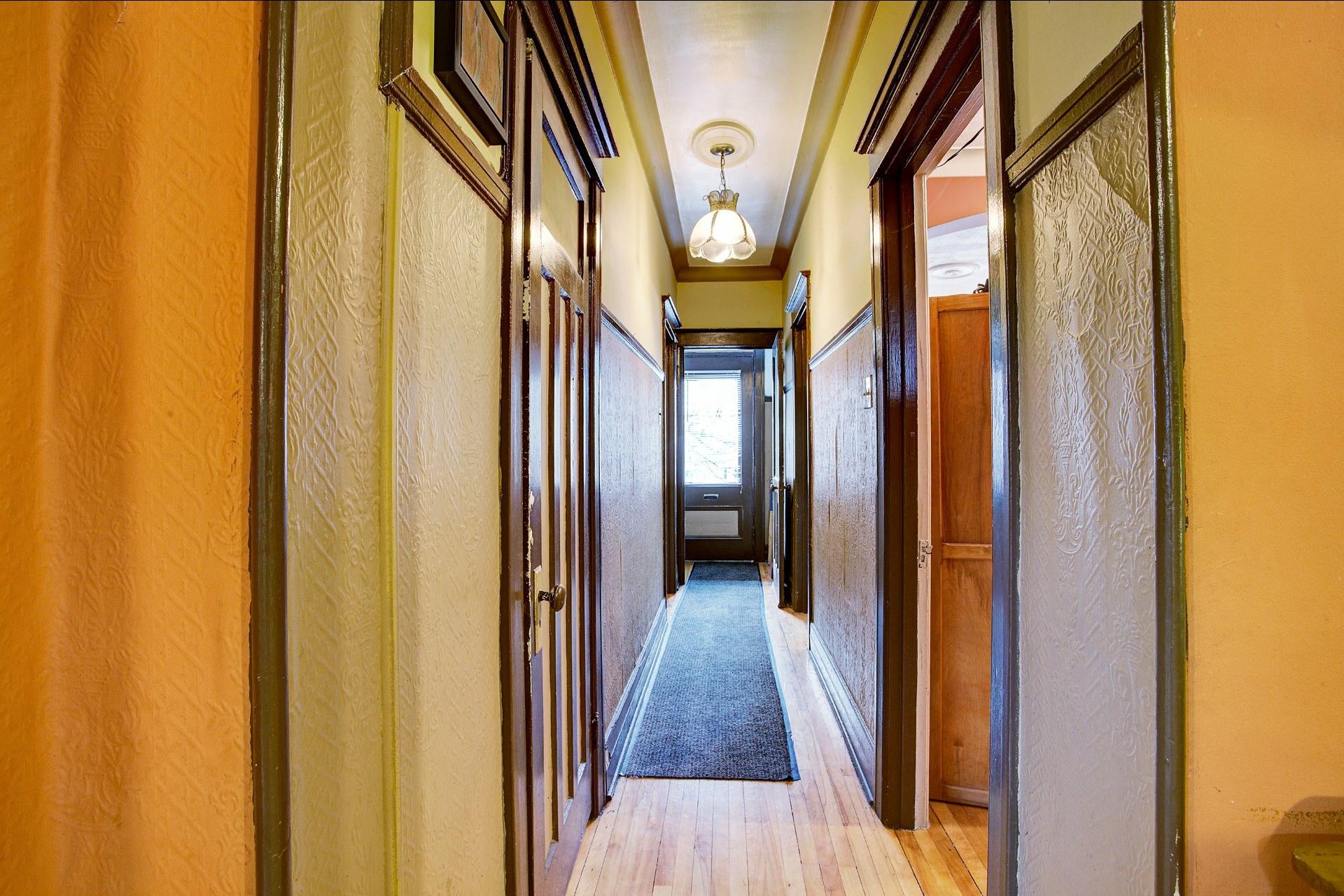 image 2 - Triplex For sale Le Sud-Ouest Montréal  - 6 rooms