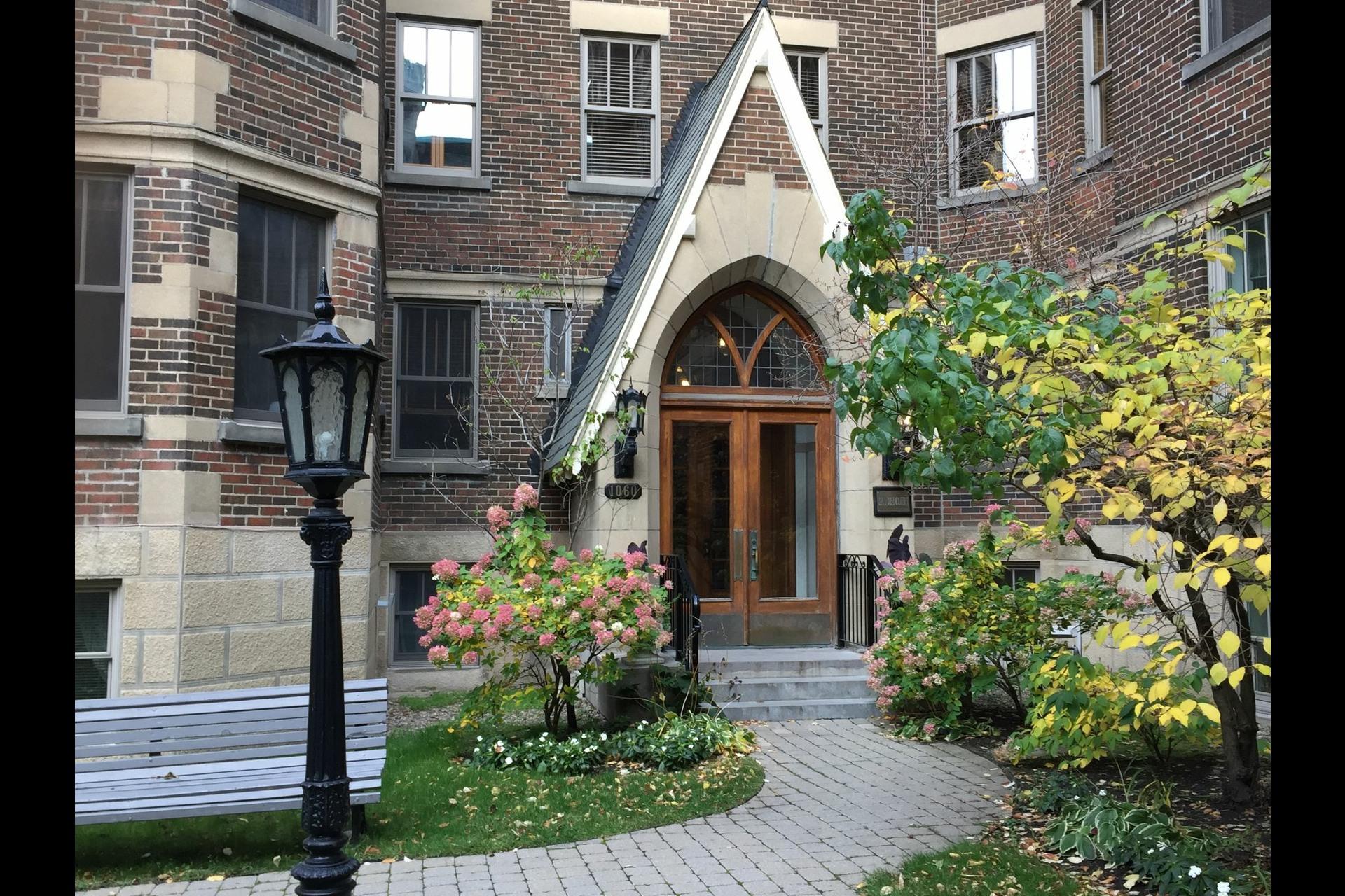 image 0 - Apartment For sale Montréal Outremont  - 5 rooms