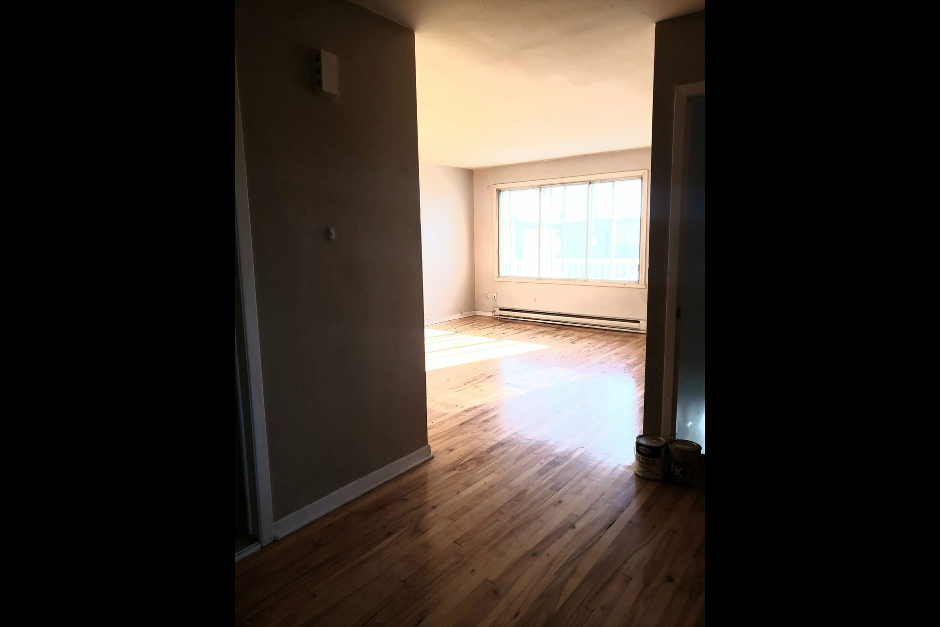 image 1 - Appartement À louer Montréal LaSalle  - 6 pièces