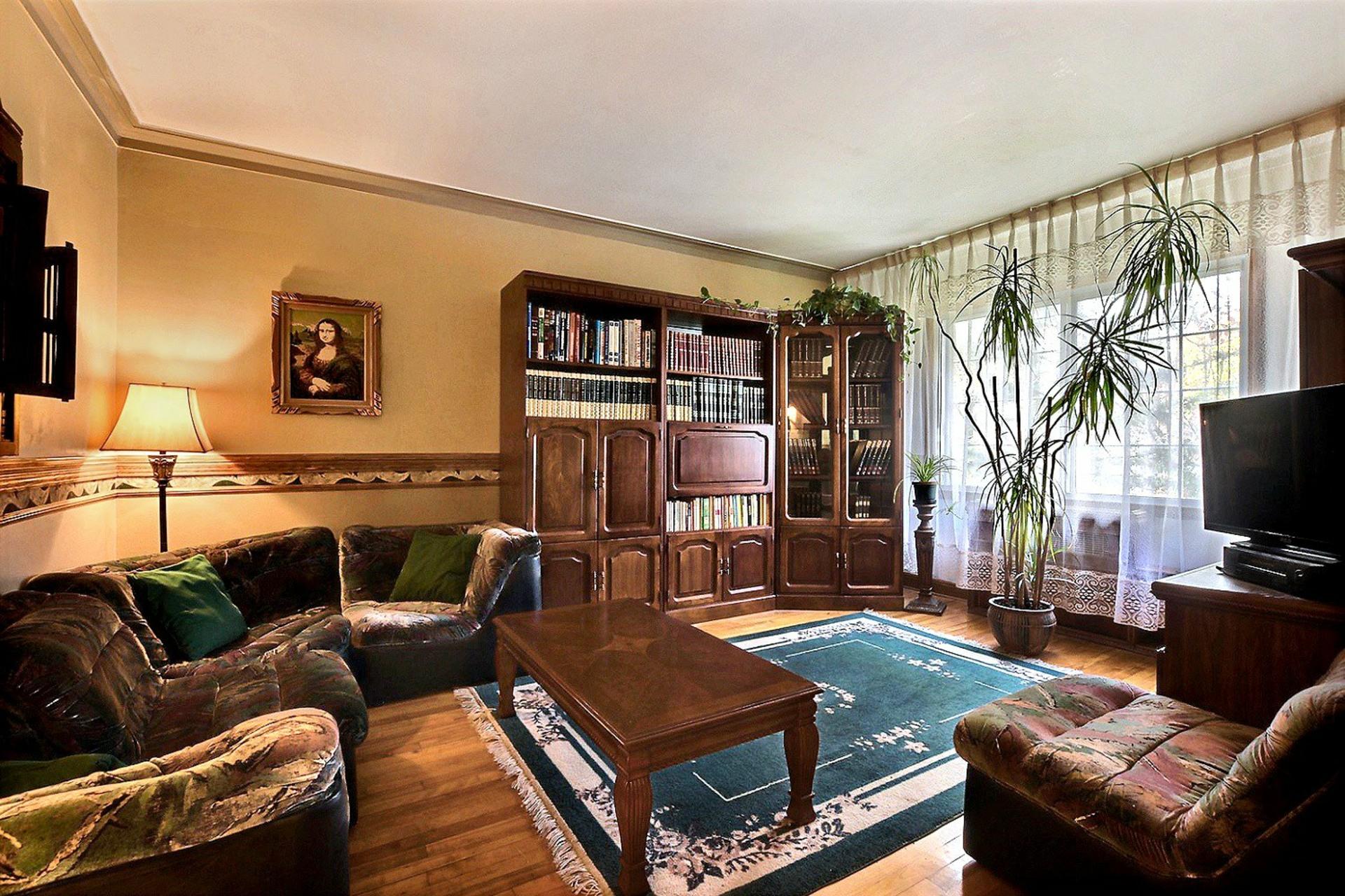 image 3 - Triplex For sale Montréal Mercier/Hochelaga-Maisonneuve  - 12 rooms