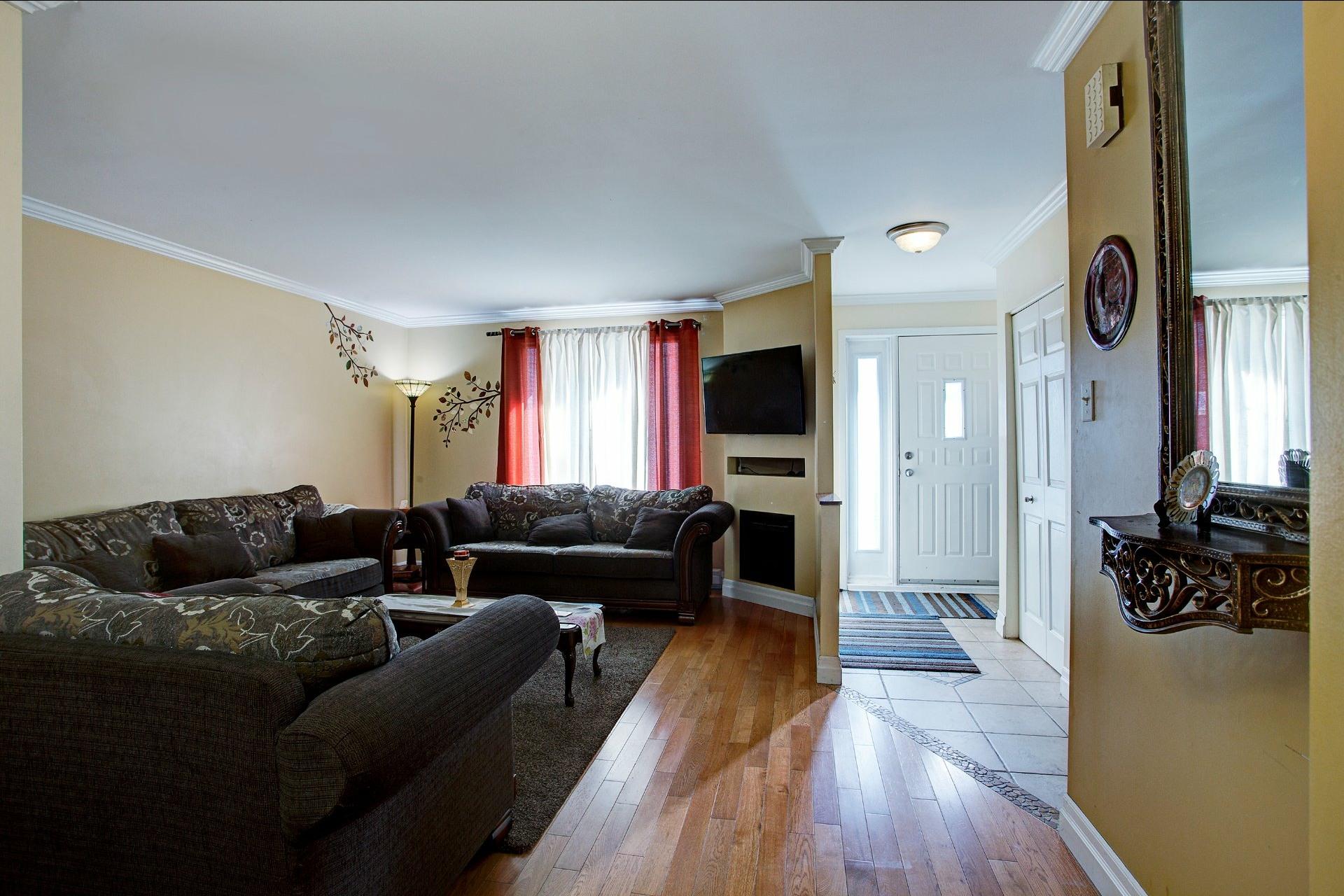 image 2 - House For sale Montréal Lachine  - 10 rooms