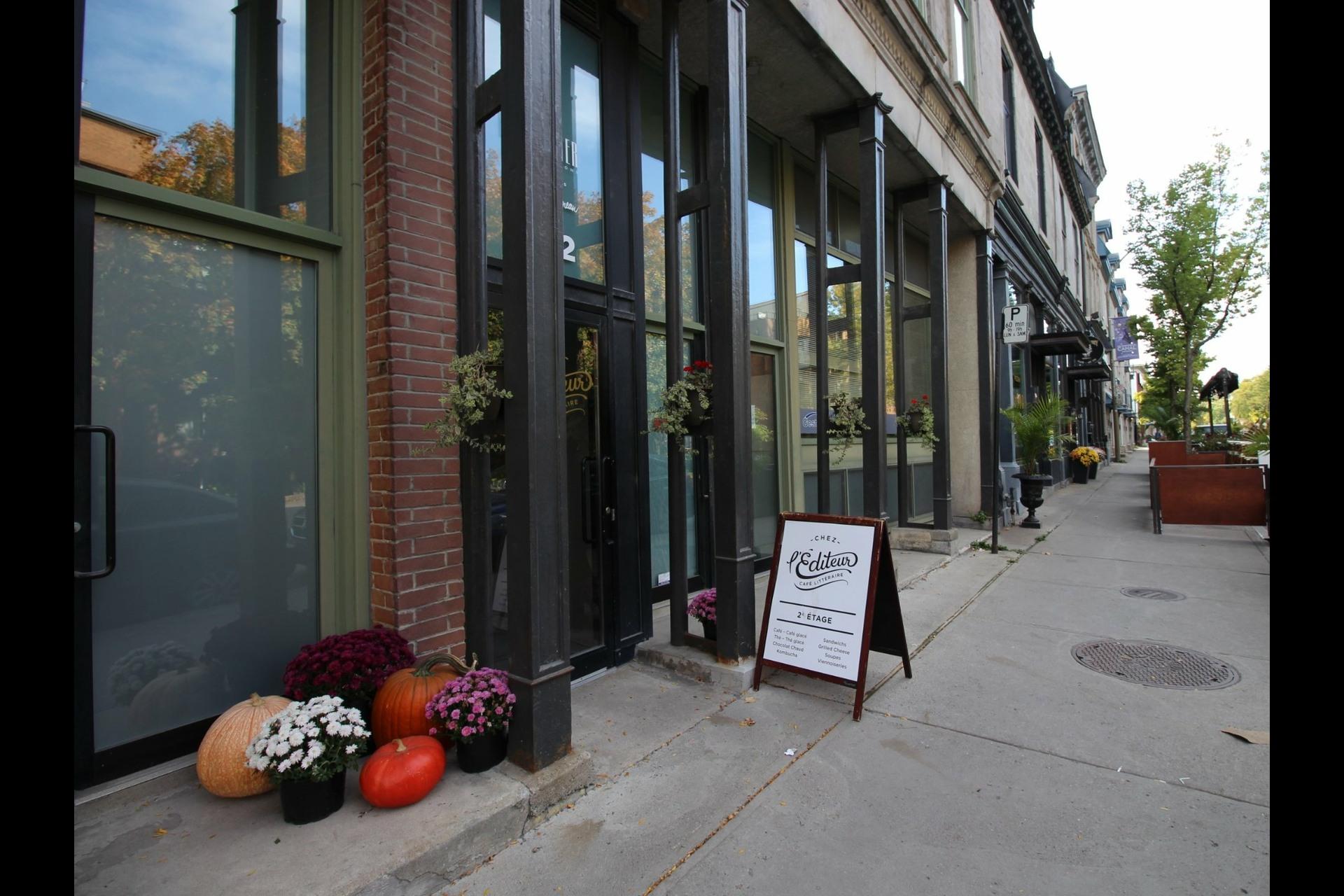 image 23 - Appartement À louer Montréal Ville-Marie  - 6 pièces