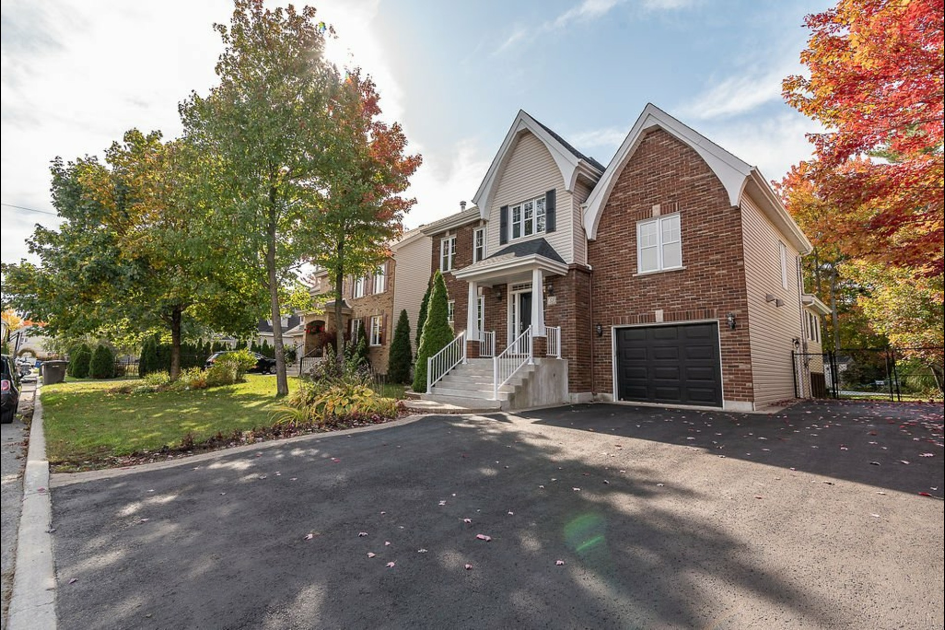 image 1 - House For sale Blainville - 14 rooms