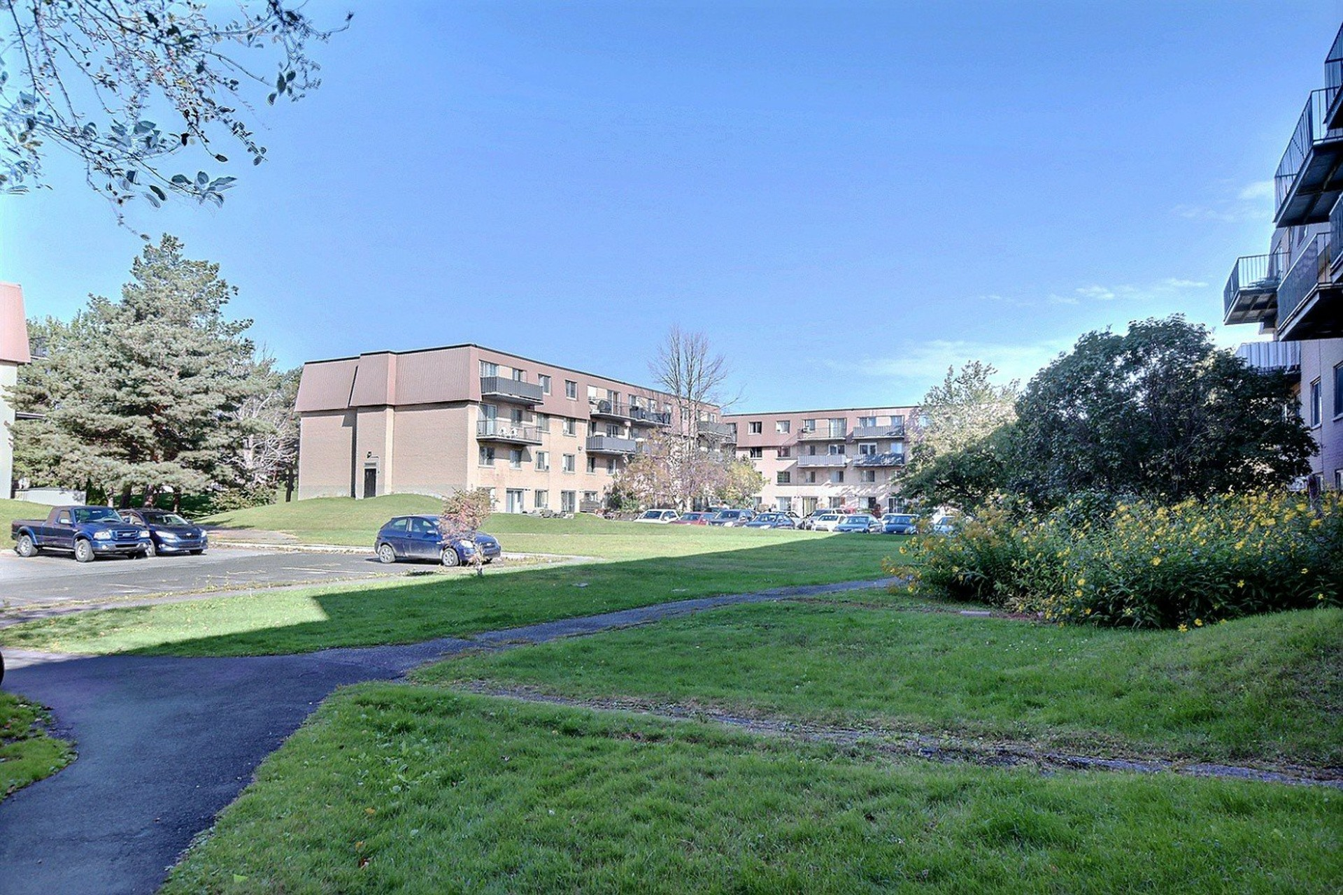 image 20 - Apartment For rent Brossard - 7 rooms