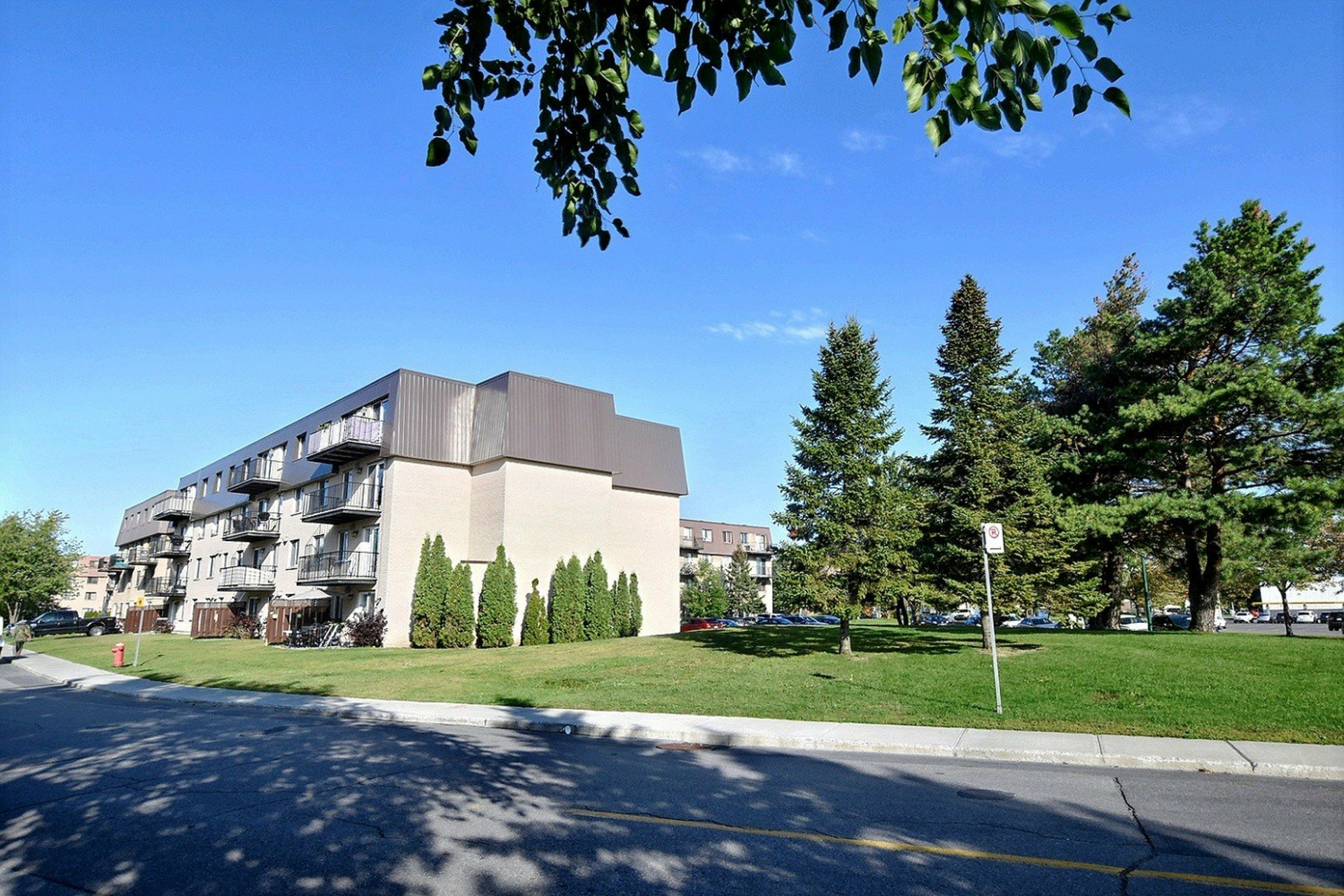 image 23 - Apartment For rent Brossard - 7 rooms