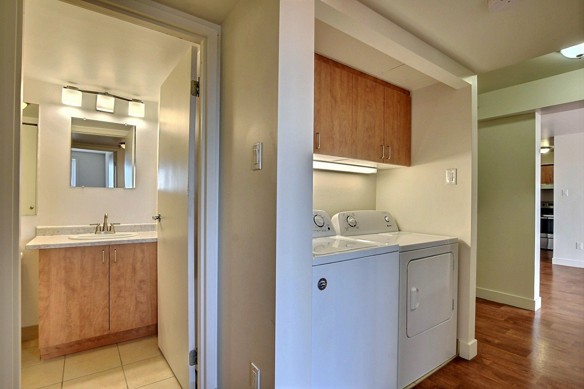 image 16 - Apartment For rent Brossard - 7 rooms