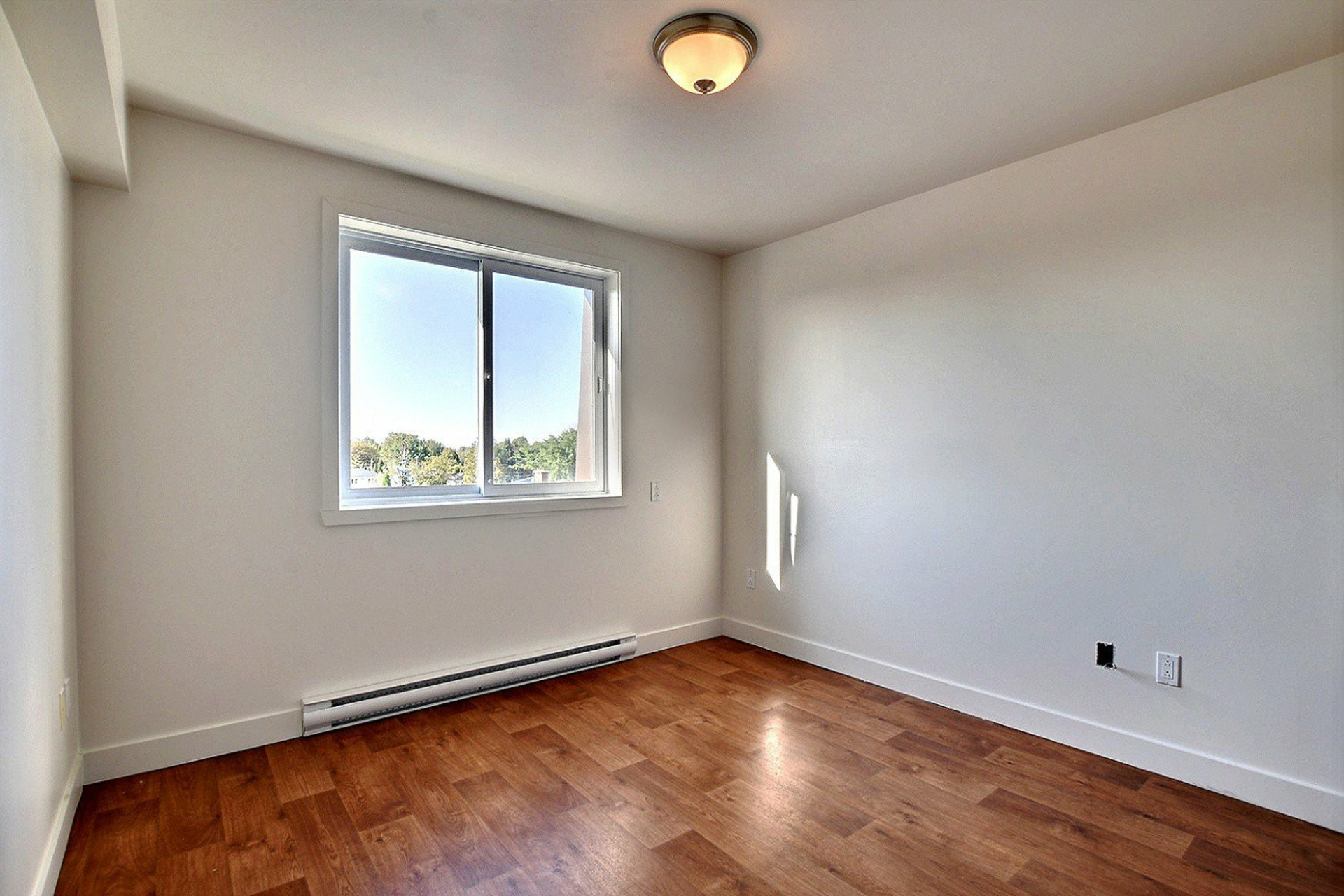 image 11 - Apartment For rent Brossard - 7 rooms