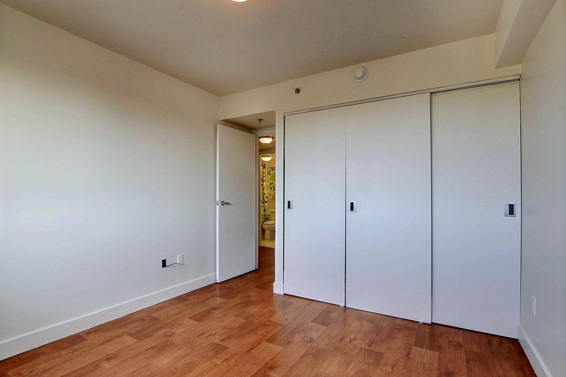 image 12 - Apartment For rent Brossard - 7 rooms