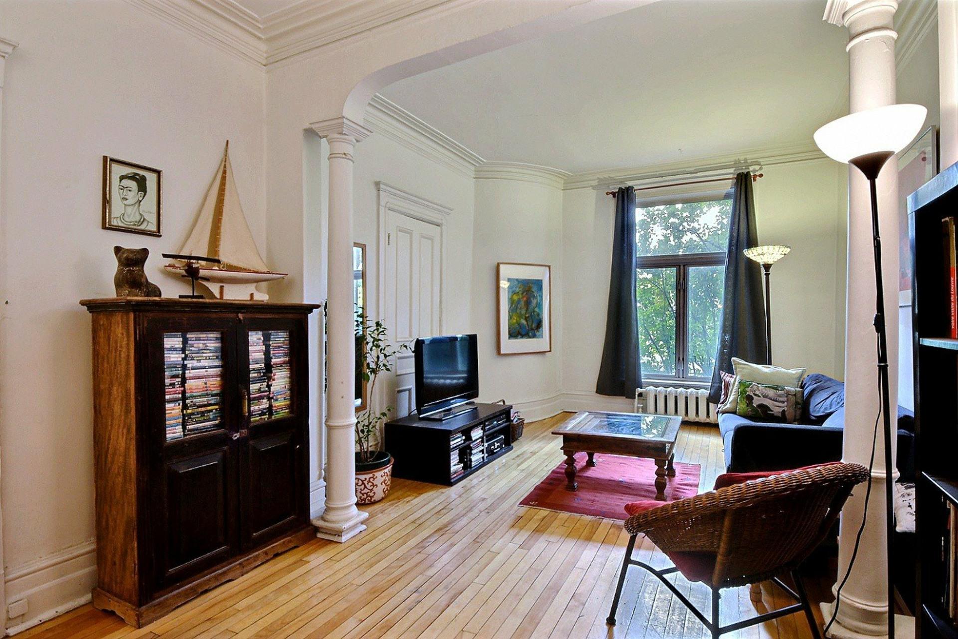 image 2 - Apartment For sale Montréal Le Plateau-Mont-Royal  - 7 rooms