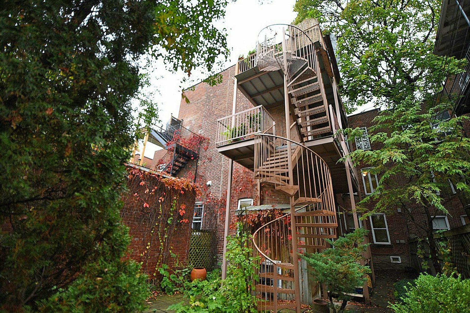 image 16 - Apartment For sale Montréal Le Plateau-Mont-Royal  - 7 rooms
