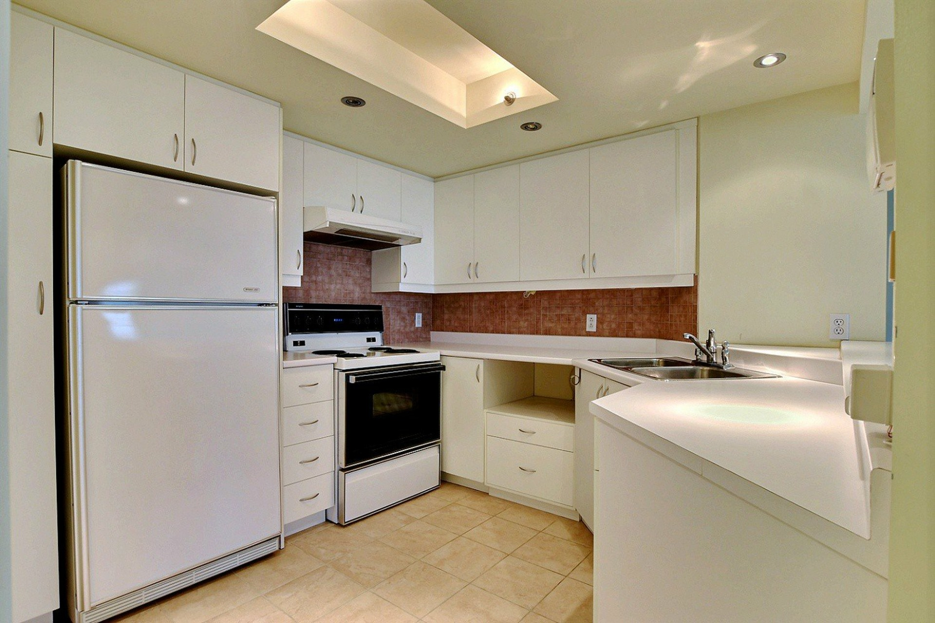 image 11 - Apartment For rent Montréal Verdun/Île-des-Soeurs  - 4 rooms