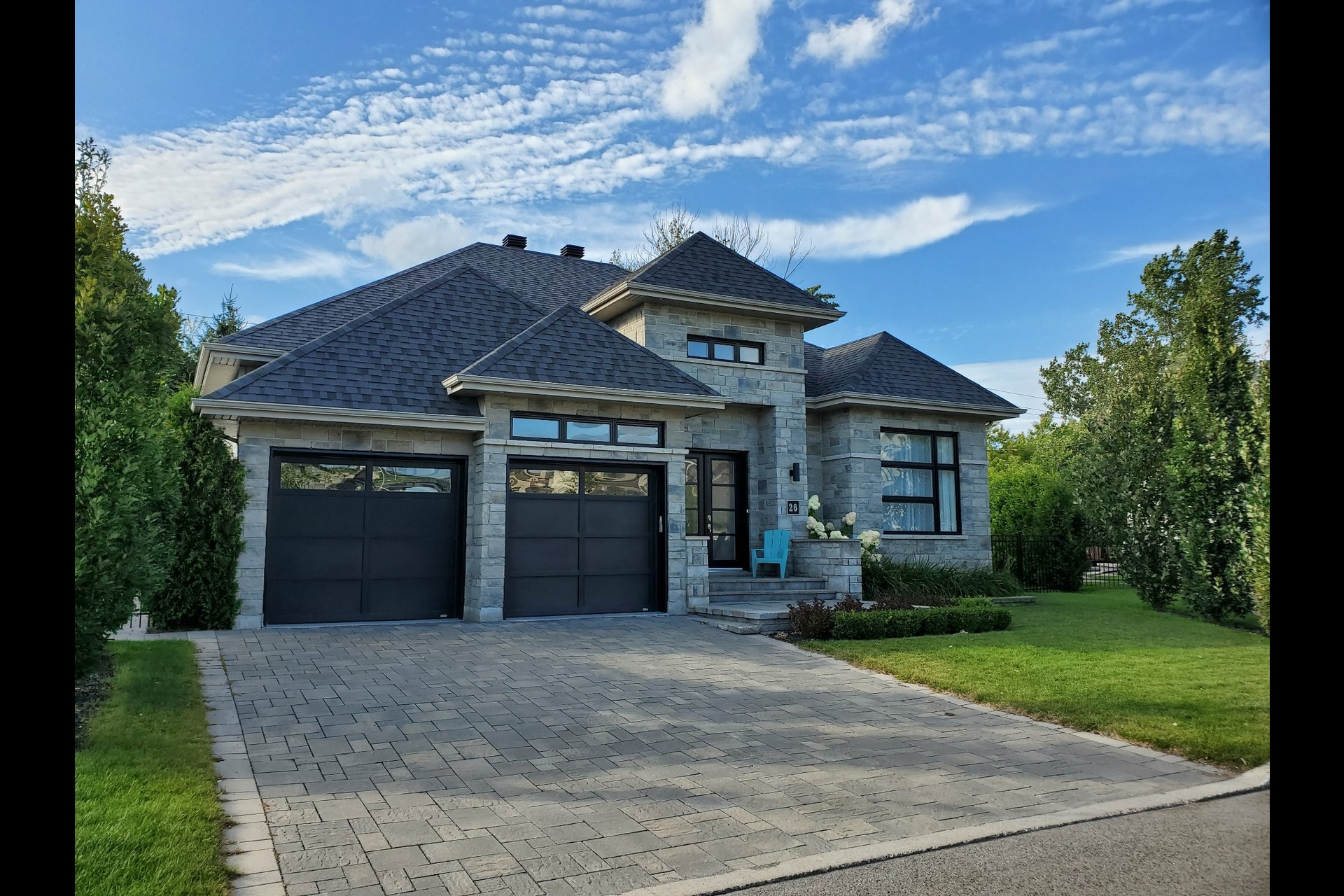 image 0 - House For sale Blainville - 13 rooms