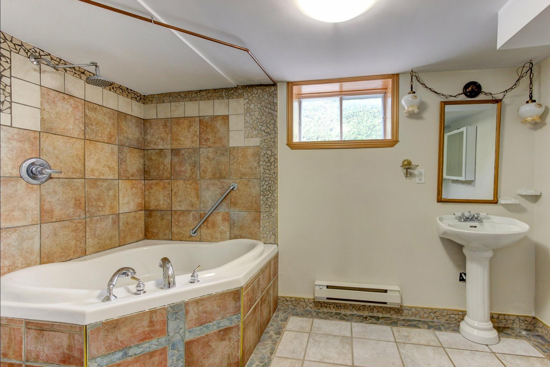 image 18 - House For sale Trois-Rivières - 12 rooms