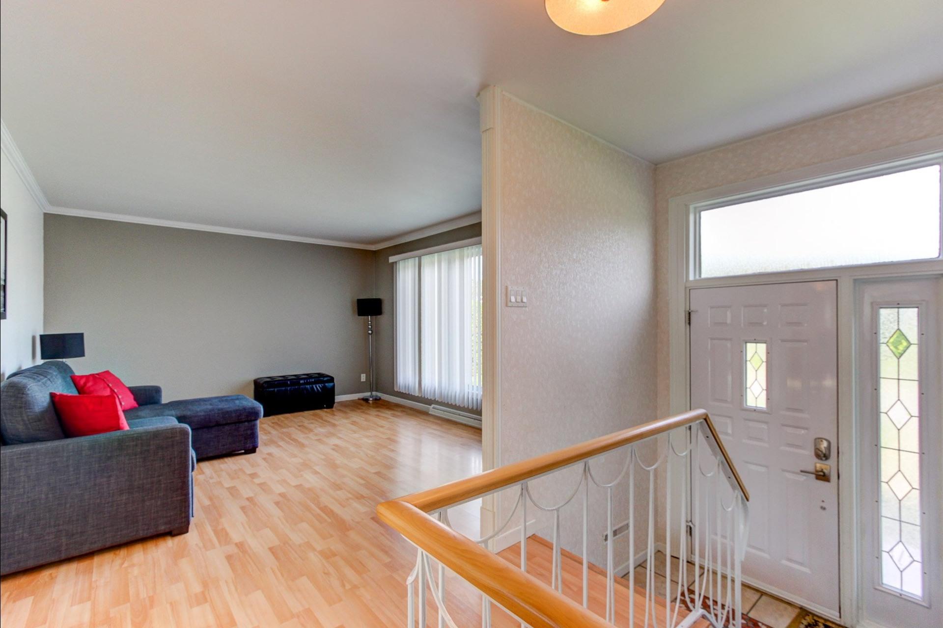 image 6 - House For sale Trois-Rivières - 12 rooms