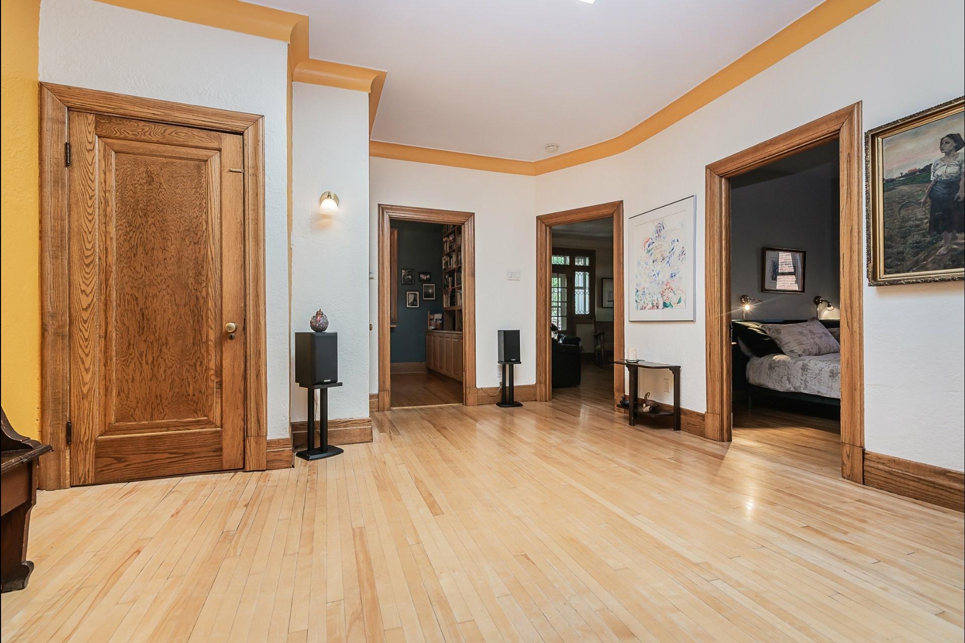 image 3 - Appartement À vendre Montréal Côte-des-Neiges/Notre-Dame-de-Grâce  - 7 pièces
