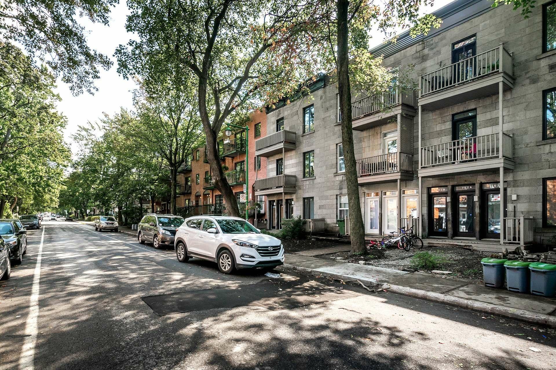 image 0 - Appartement À louer Montréal Outremont  - 5 pièces