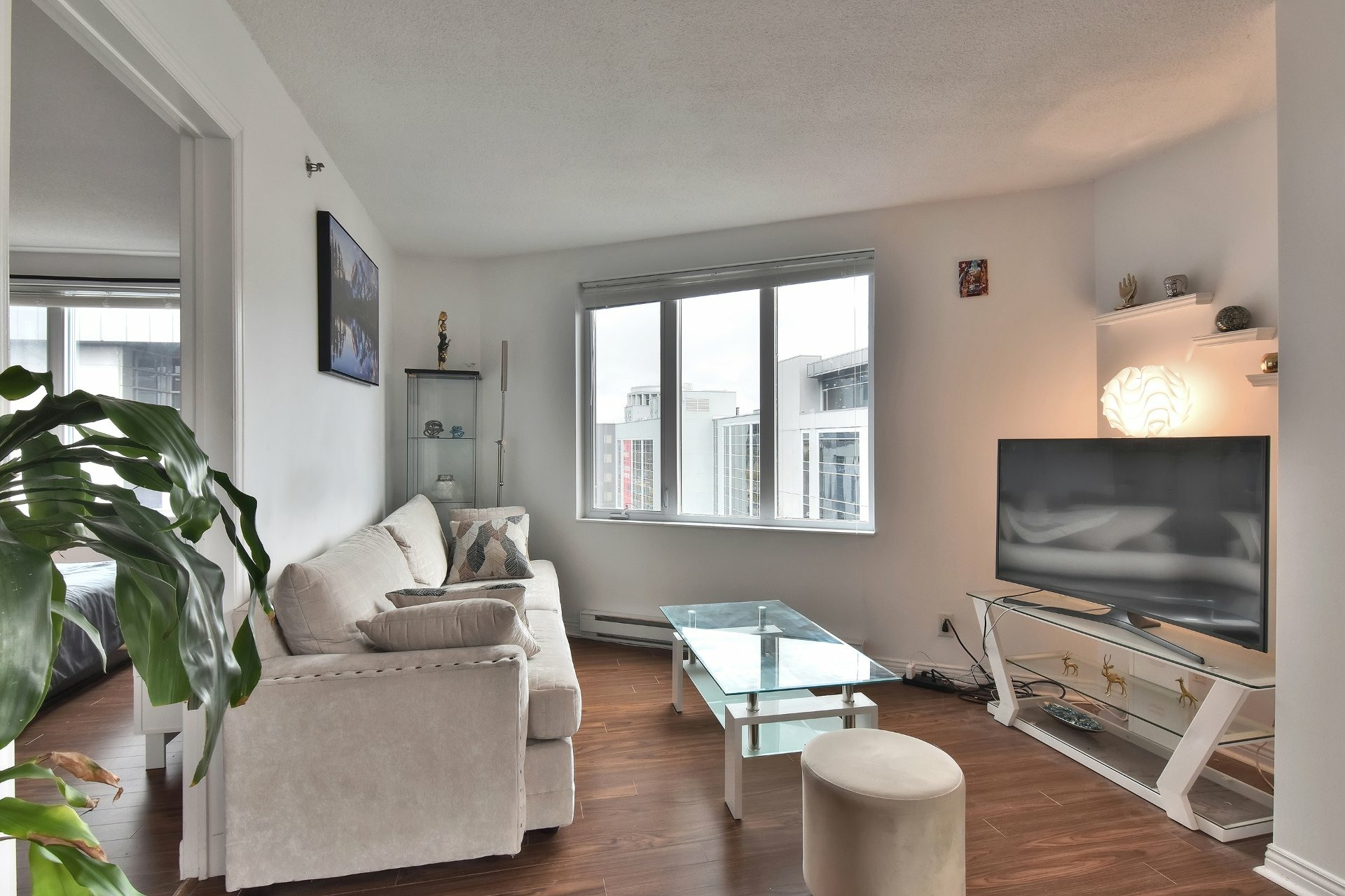 image 3 - Appartement À louer Montréal Ville-Marie  - 6 pièces
