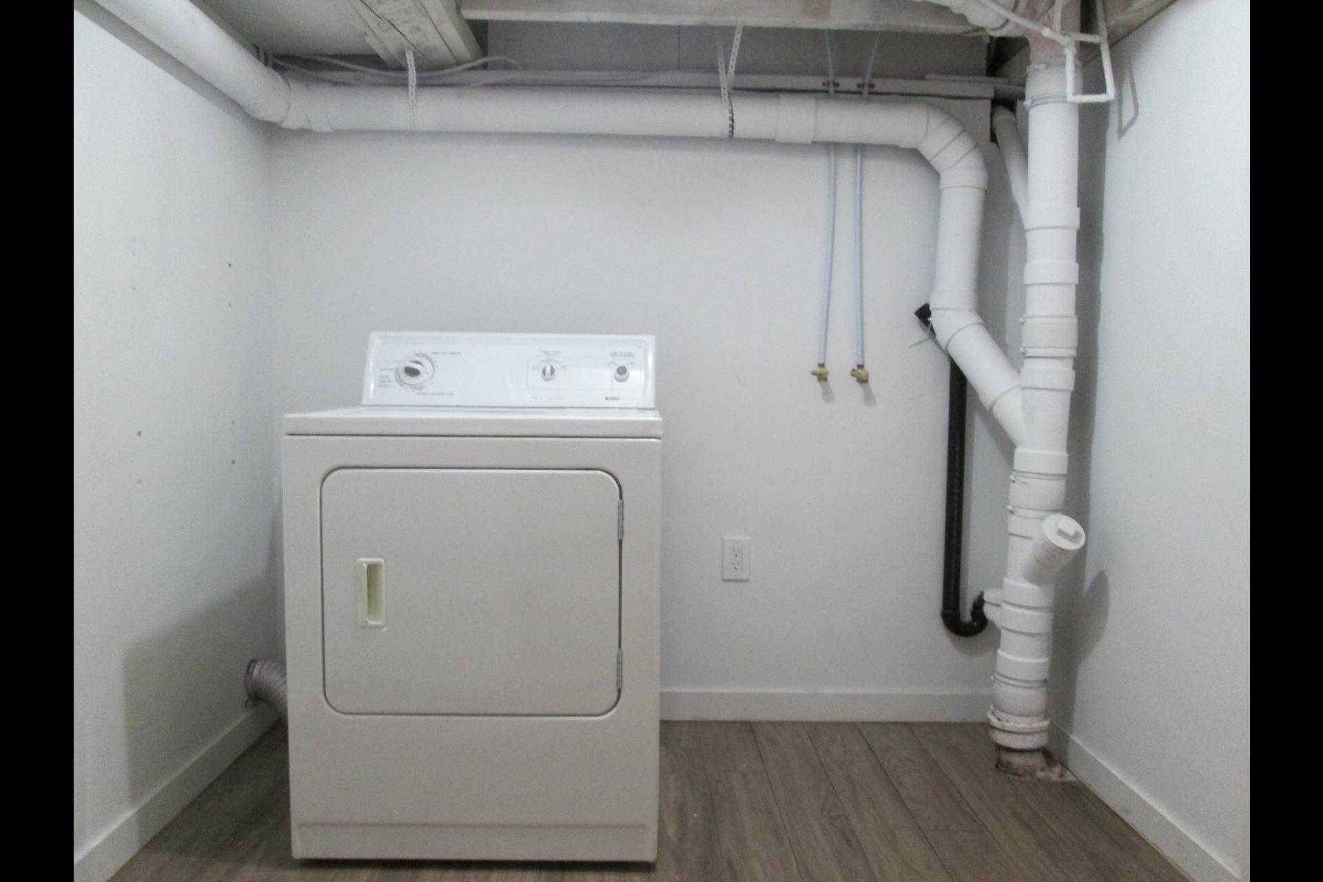 image 32 - Appartement À louer Verdun/Île-des-Sours Montréal  - 8 pièces