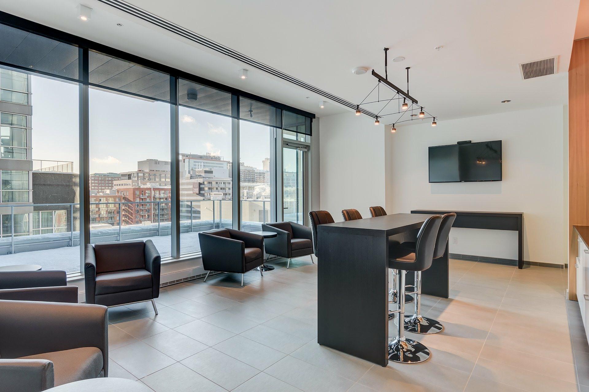 image 16 - Apartment For rent Ville-Marie Montréal  - 4 rooms