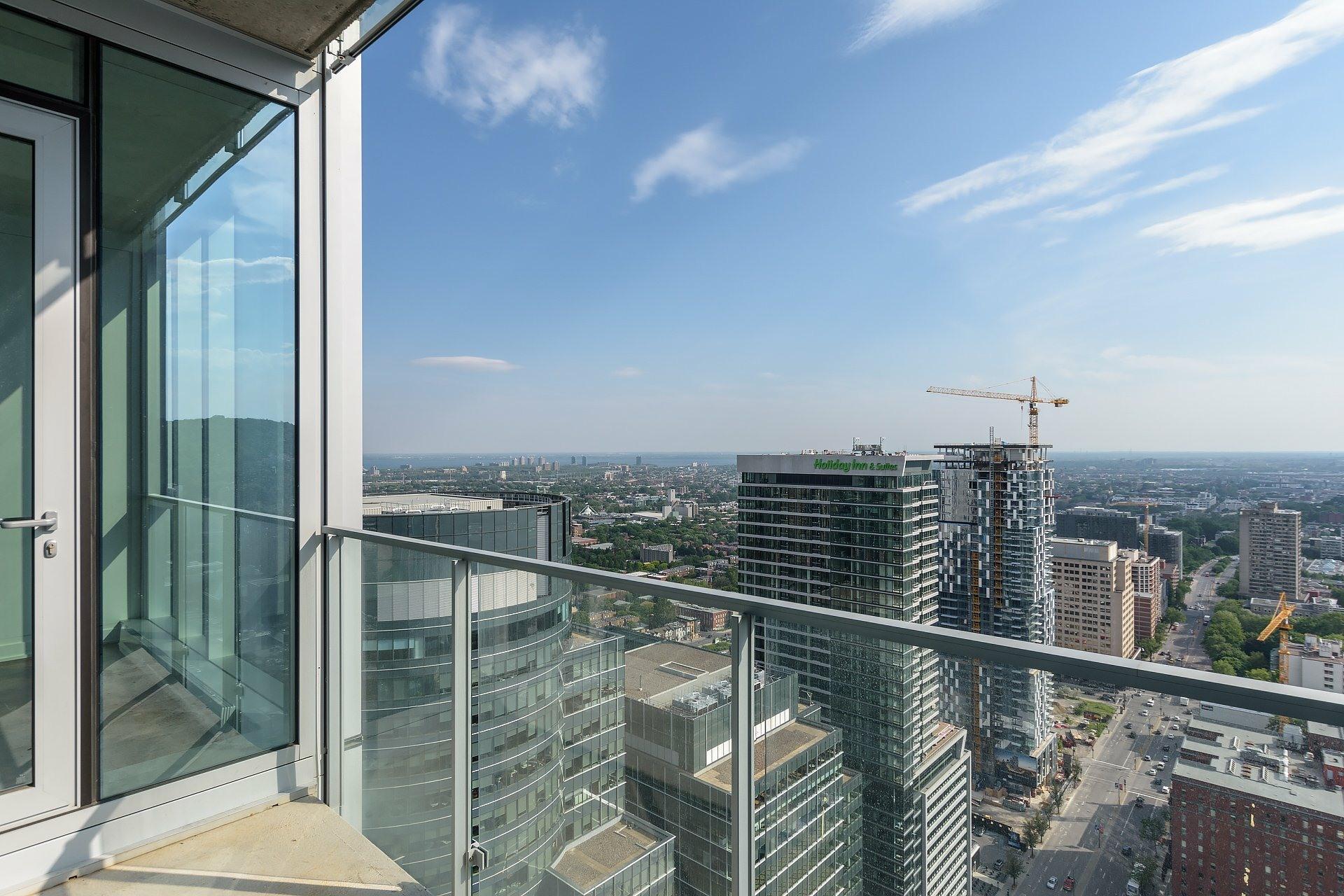 image 7 - Apartment For rent Ville-Marie Montréal  - 4 rooms