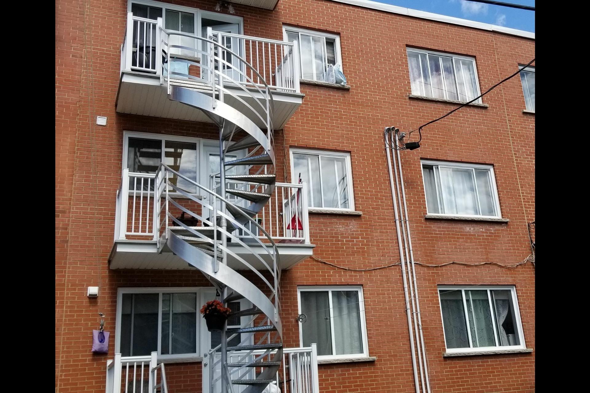 image 26 - Triplex For sale Montréal Mercier/Hochelaga-Maisonneuve  - 10 rooms