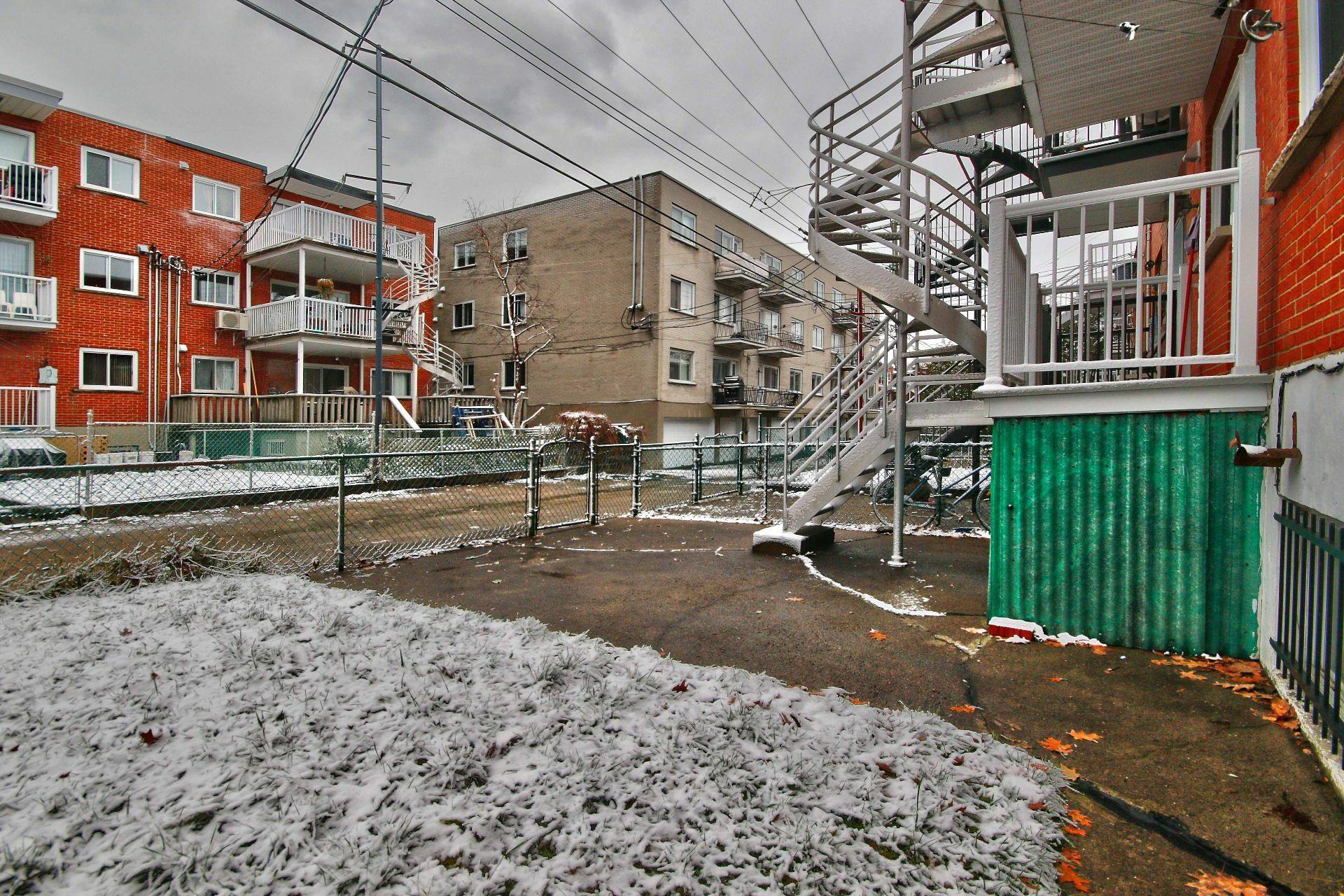 image 23 - Triplex For sale Montréal Mercier/Hochelaga-Maisonneuve  - 10 rooms