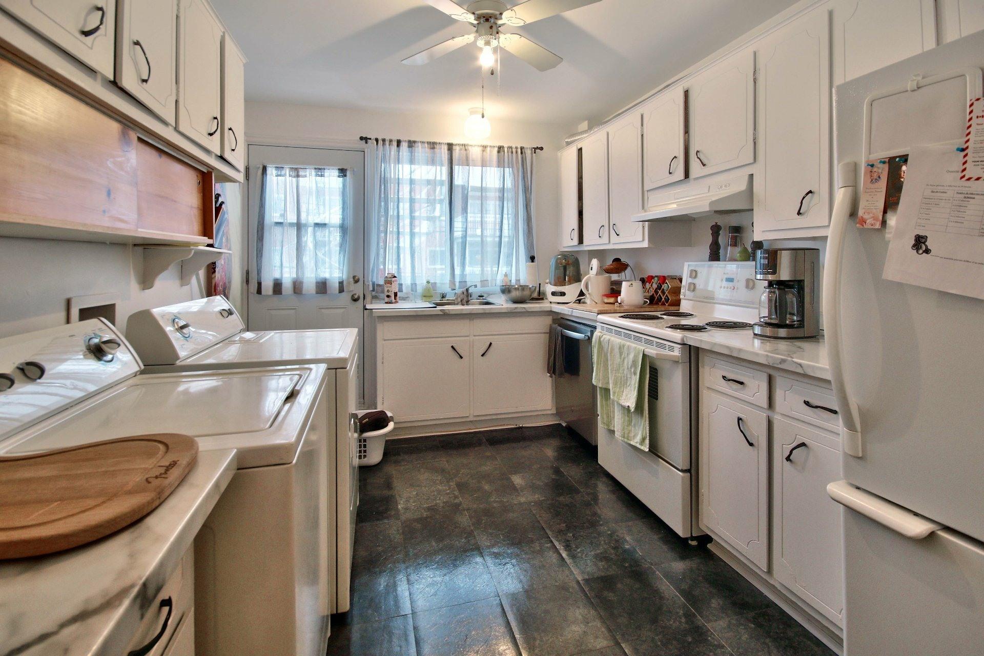 image 12 - Triplex For sale Montréal Mercier/Hochelaga-Maisonneuve  - 10 rooms
