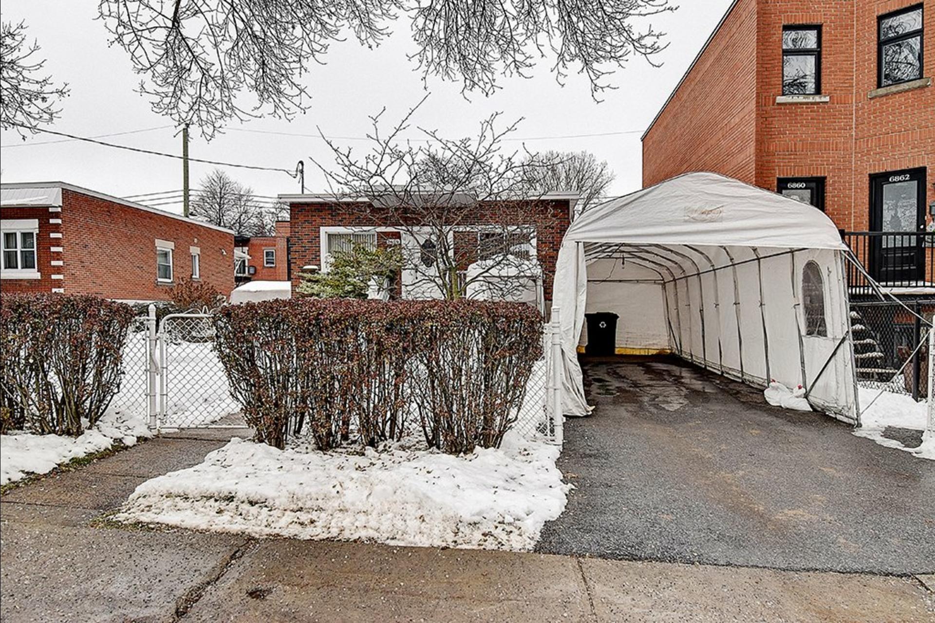 image 1 - House For sale Le Sud-Ouest Montréal  - 12 rooms