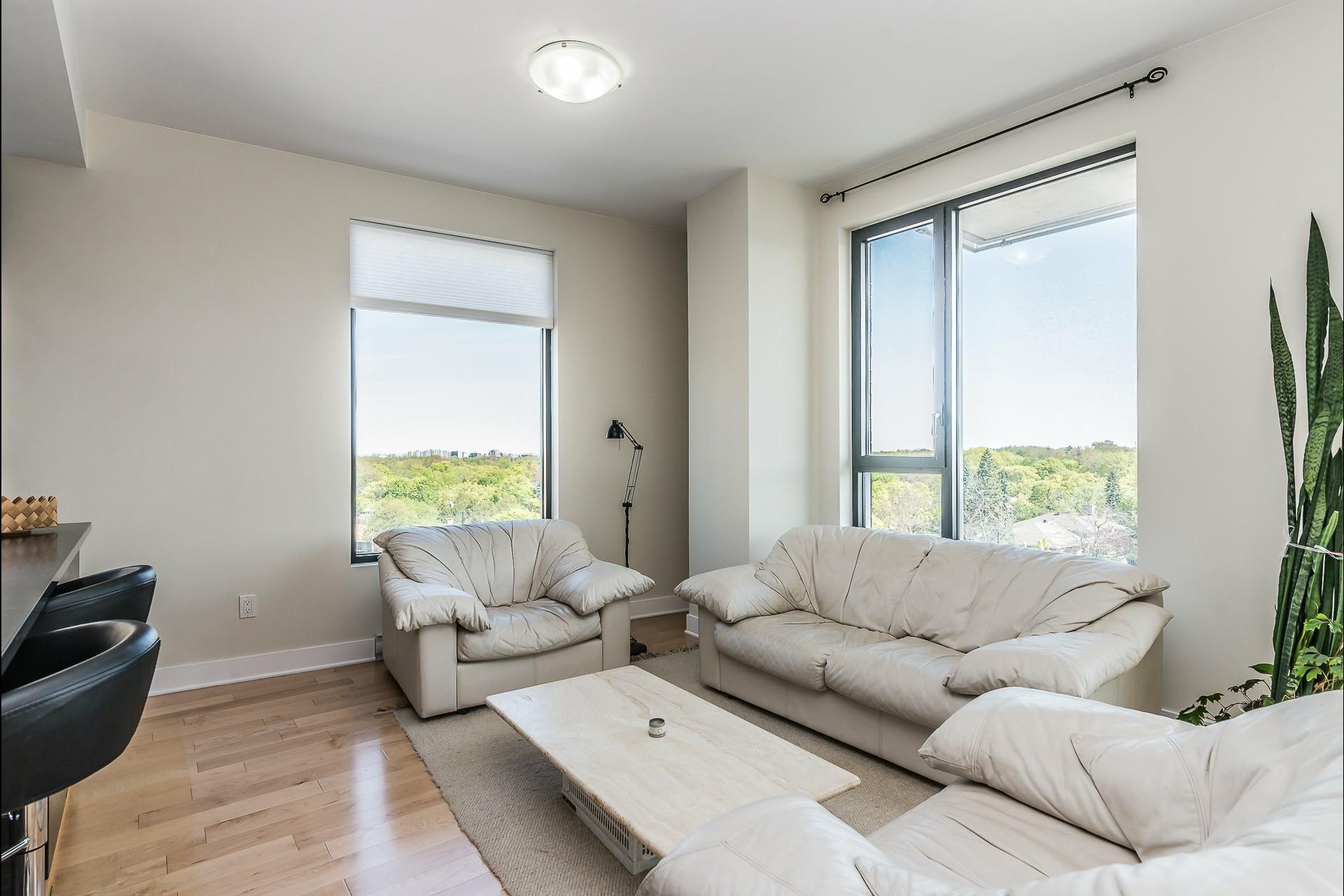 image 2 - Appartement À louer Montréal Côte-des-Neiges/Notre-Dame-de-Grâce  - 5 pièces