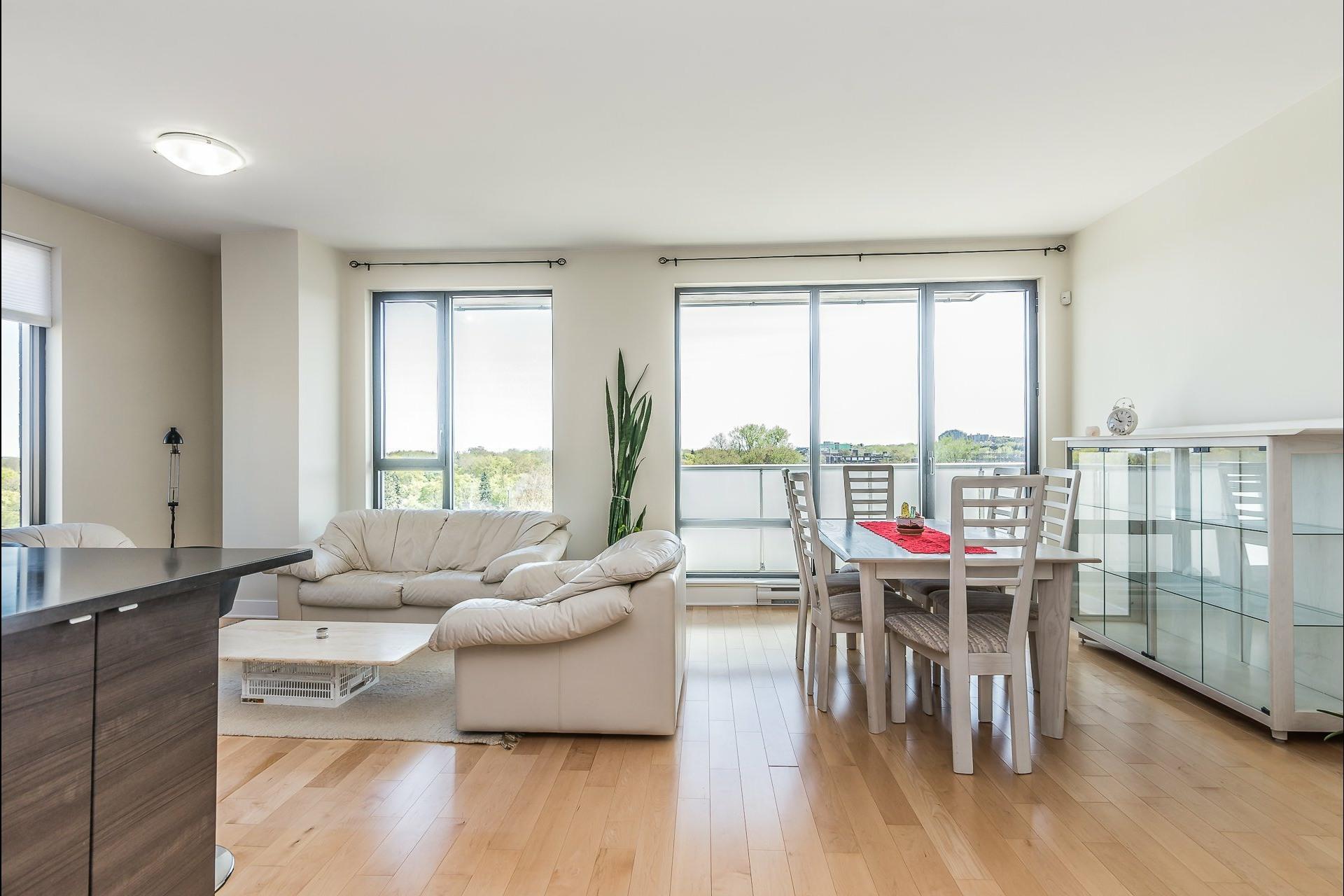 image 4 - Appartement À louer Montréal Côte-des-Neiges/Notre-Dame-de-Grâce  - 5 pièces