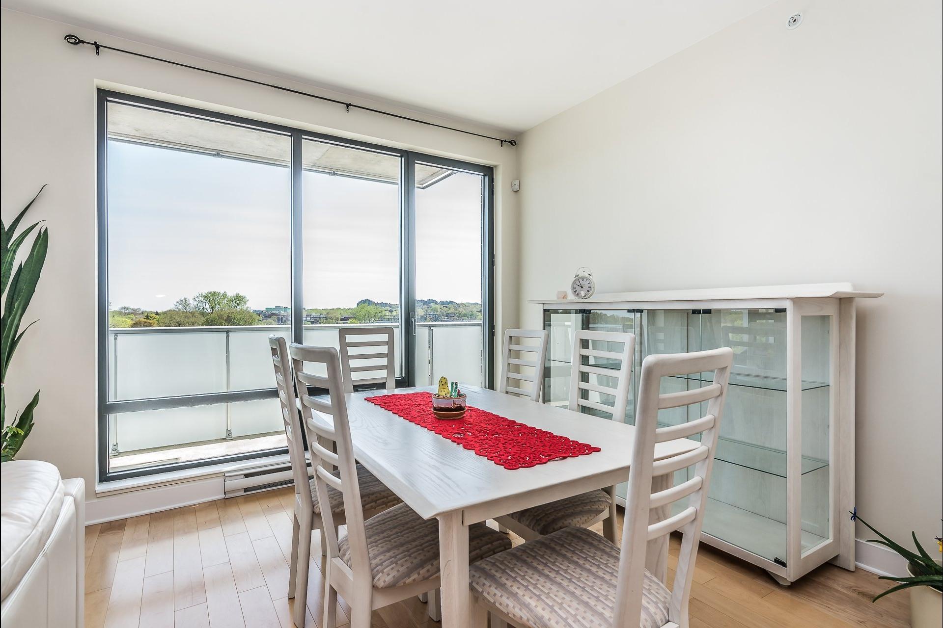 image 5 - Appartement À louer Montréal Côte-des-Neiges/Notre-Dame-de-Grâce  - 5 pièces