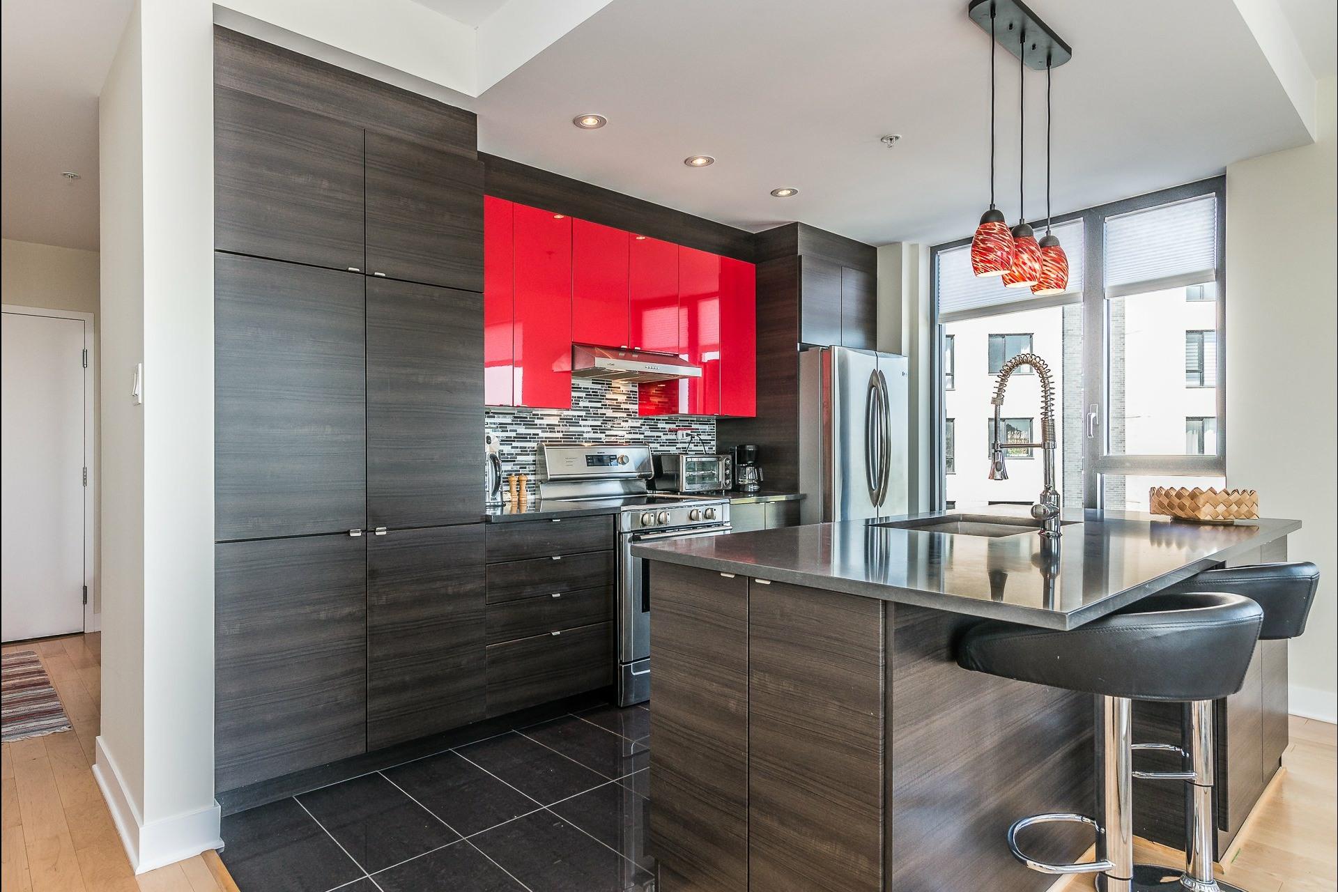 image 9 - Appartement À louer Montréal Côte-des-Neiges/Notre-Dame-de-Grâce  - 5 pièces