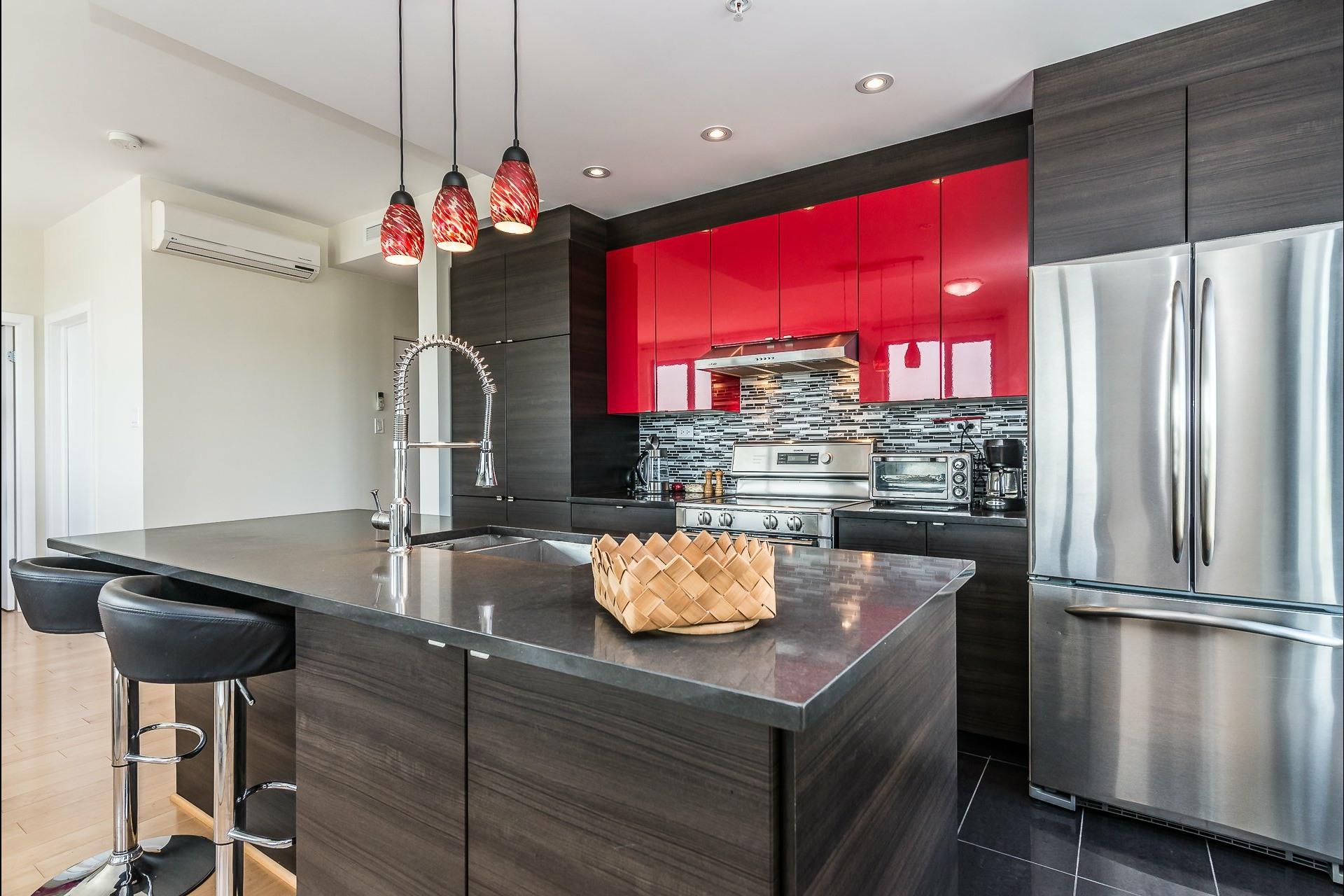 image 8 - Appartement À louer Montréal Côte-des-Neiges/Notre-Dame-de-Grâce  - 5 pièces