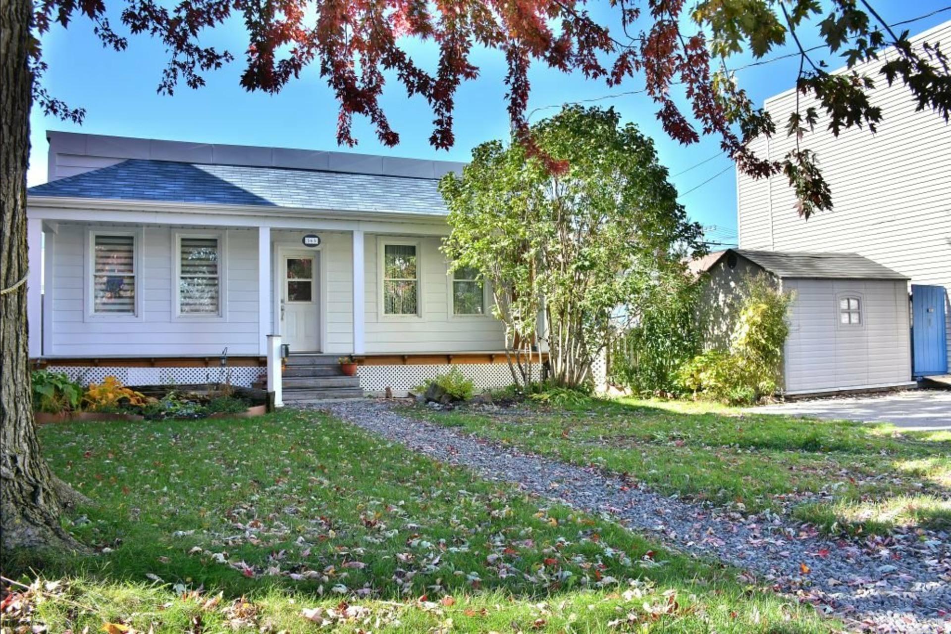 image 0 - House For sale Montréal Lachine  - 5 rooms