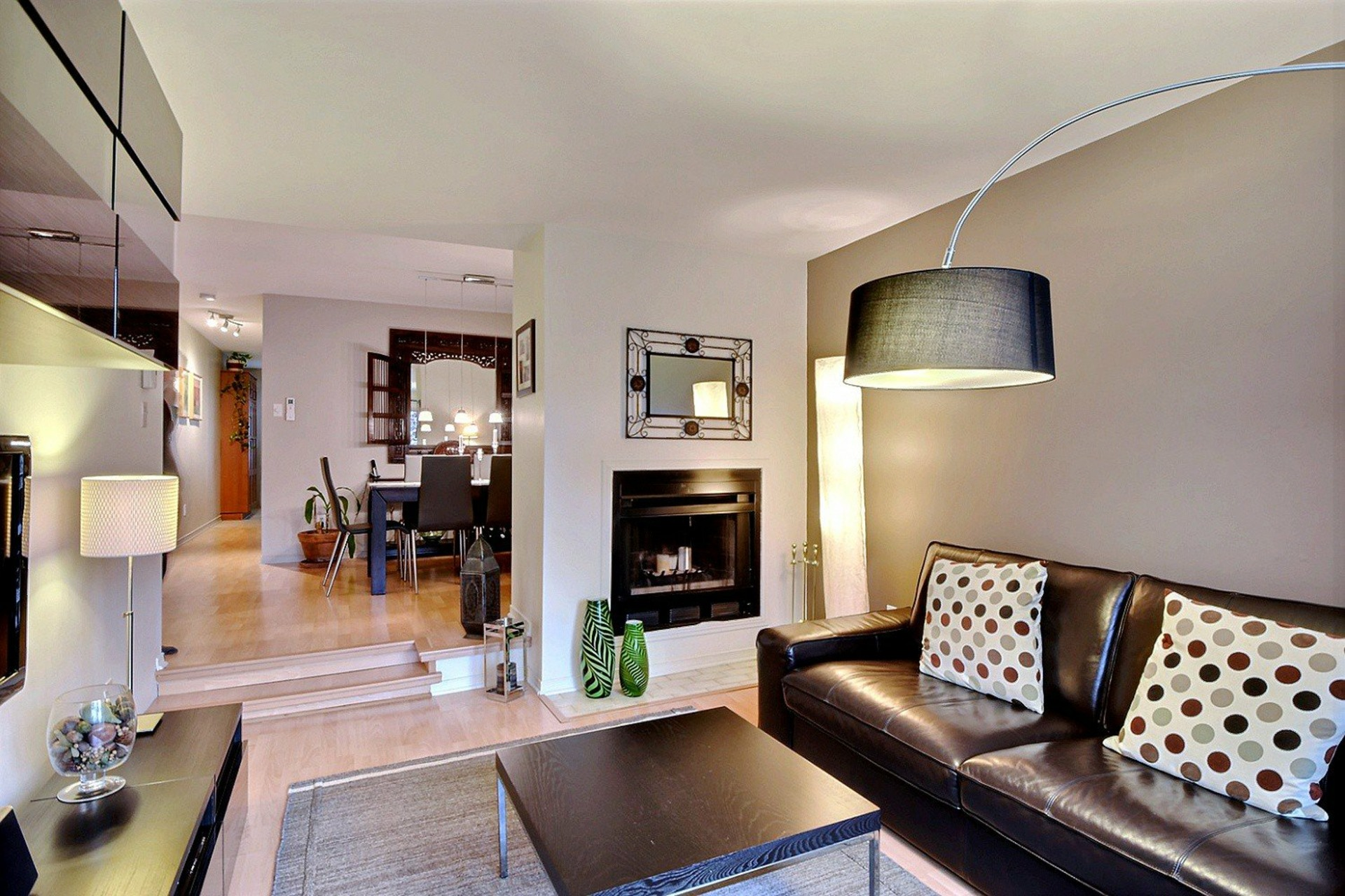 image 2 - Apartment For rent Montréal Le Sud-Ouest  - 5 rooms