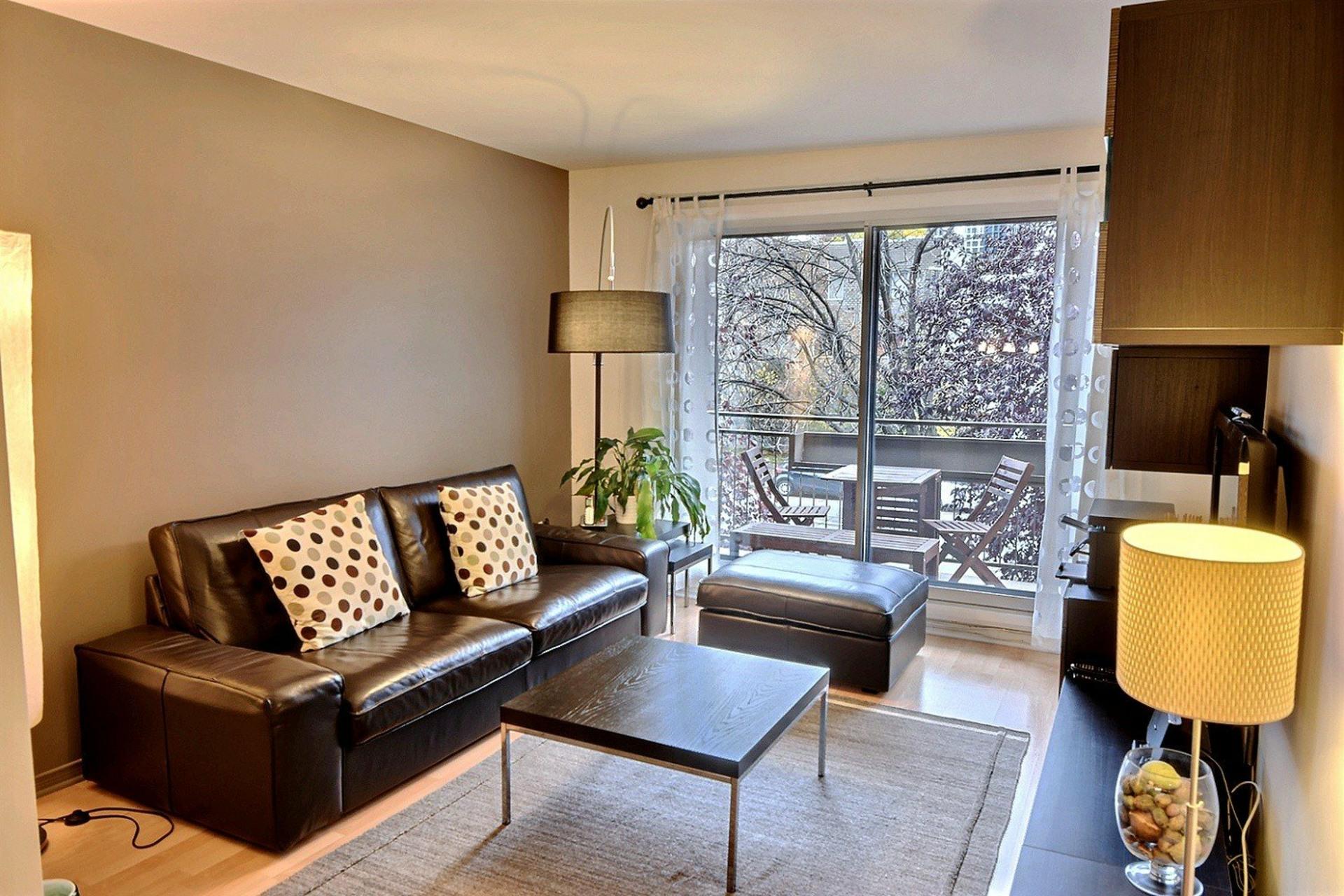 image 0 - Apartment For rent Montréal Le Sud-Ouest  - 5 rooms