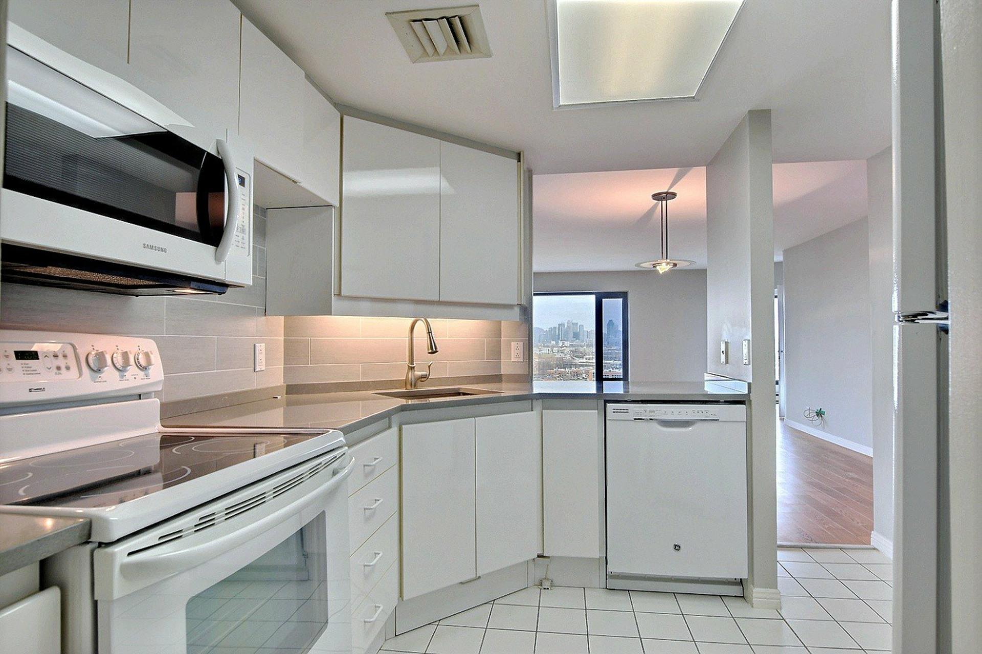 image 11 - Apartment For rent Verdun/Île-des-Sours Montréal  - 4 rooms